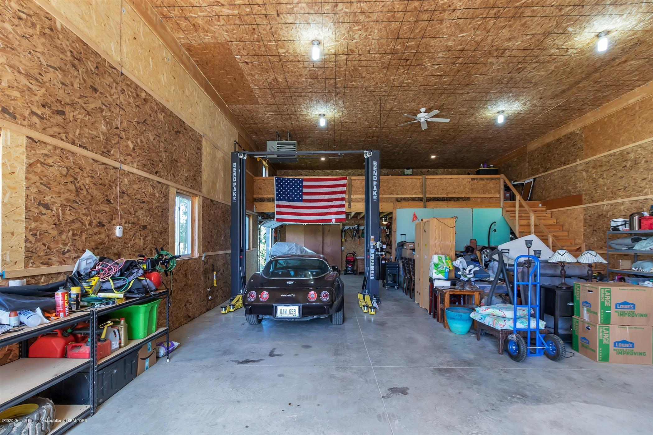 7346 W Cutler Rd - LOFT ABOVE, CAR LIFT - 59