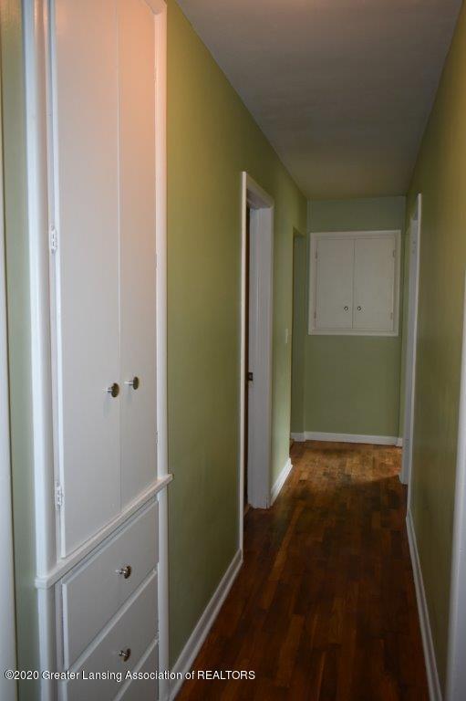 4696 Tolland Ave - 9 E 4696 hallway (2) - 9