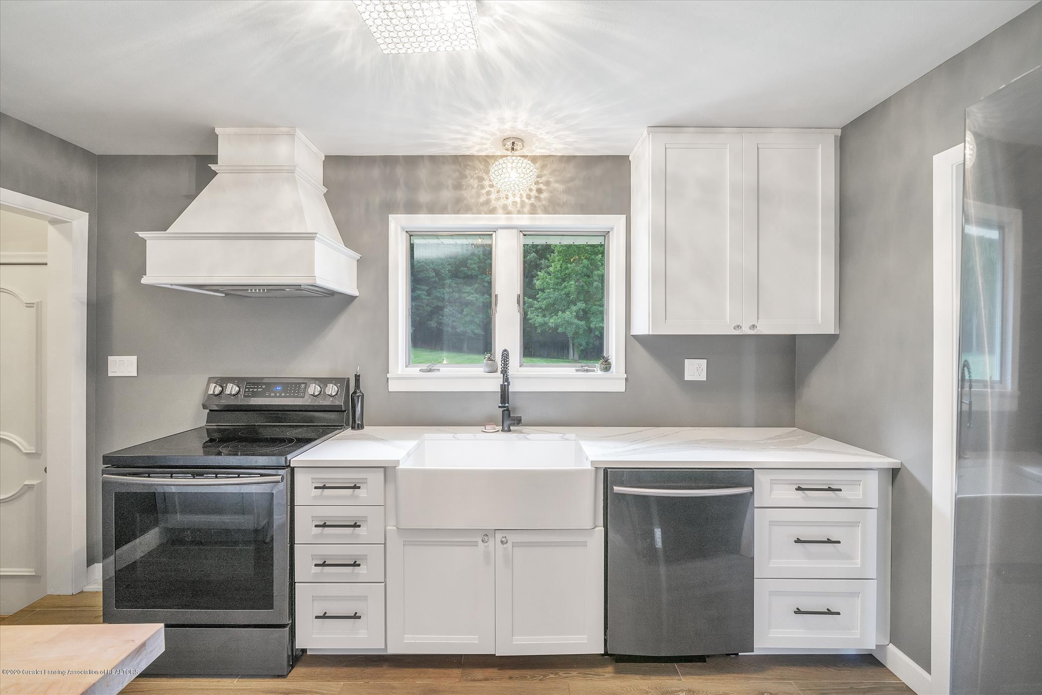 3087 Sandhill Rd - Kitchen - 6