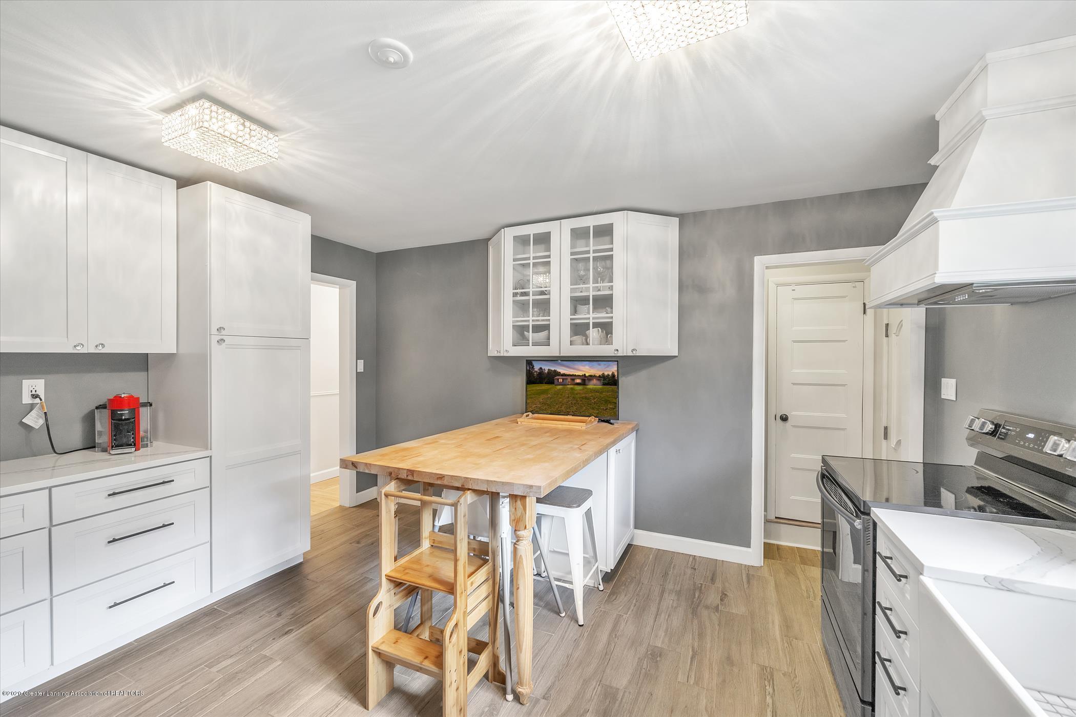 3087 Sandhill Rd - Kitchen - 9