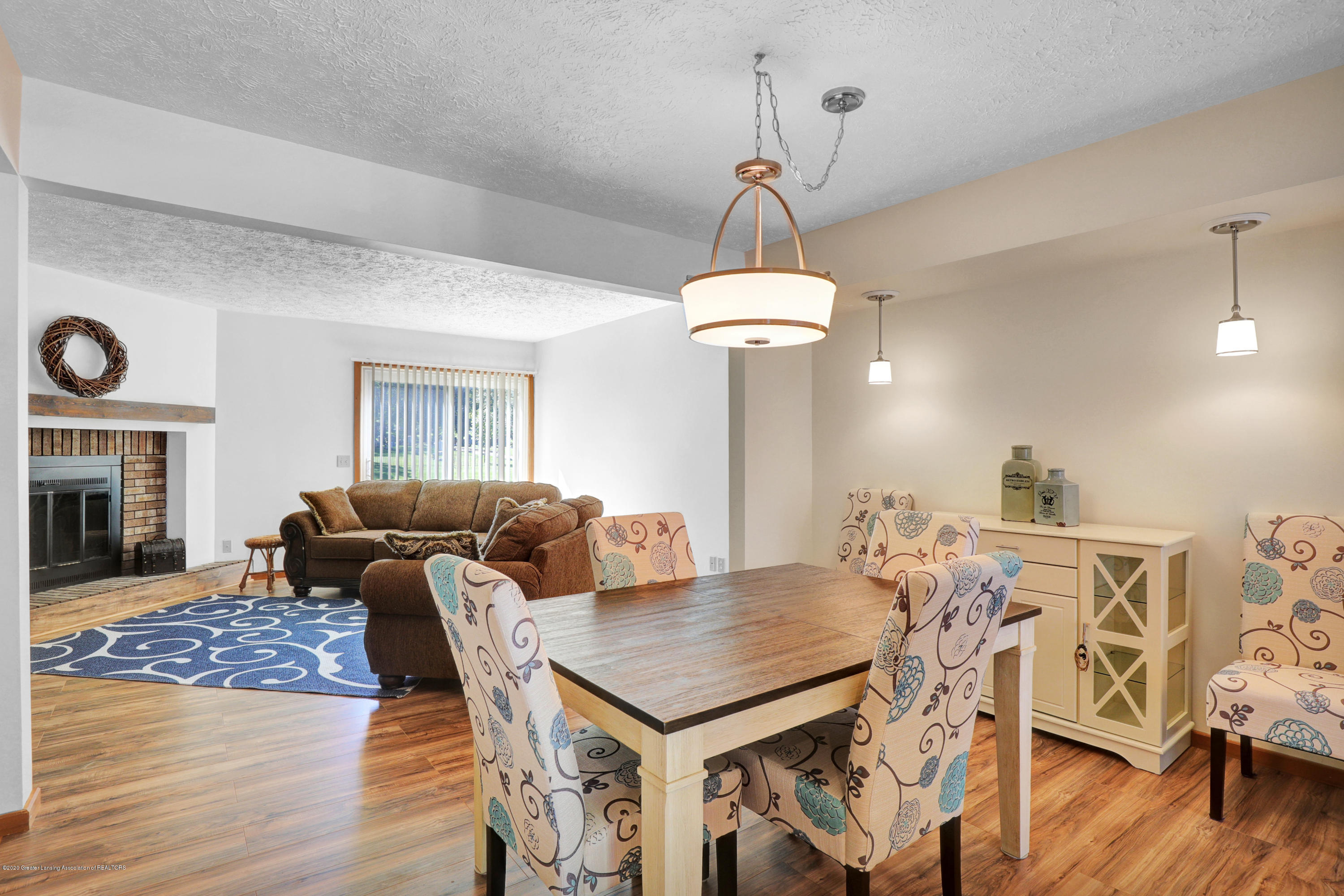 802 Randy Ln - Dining area - 7