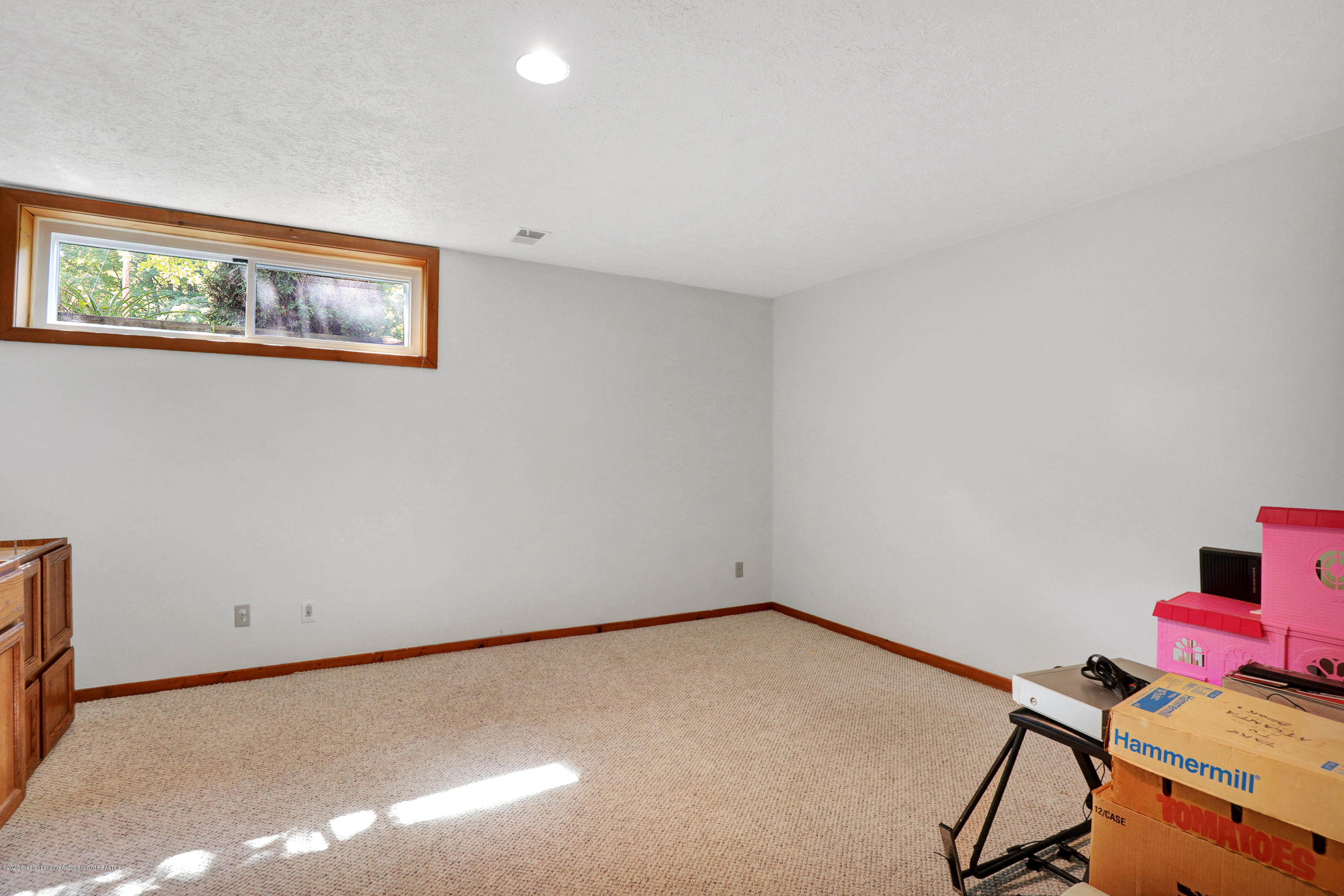 802 Randy Ln - Craft room/Office in lower level - 21