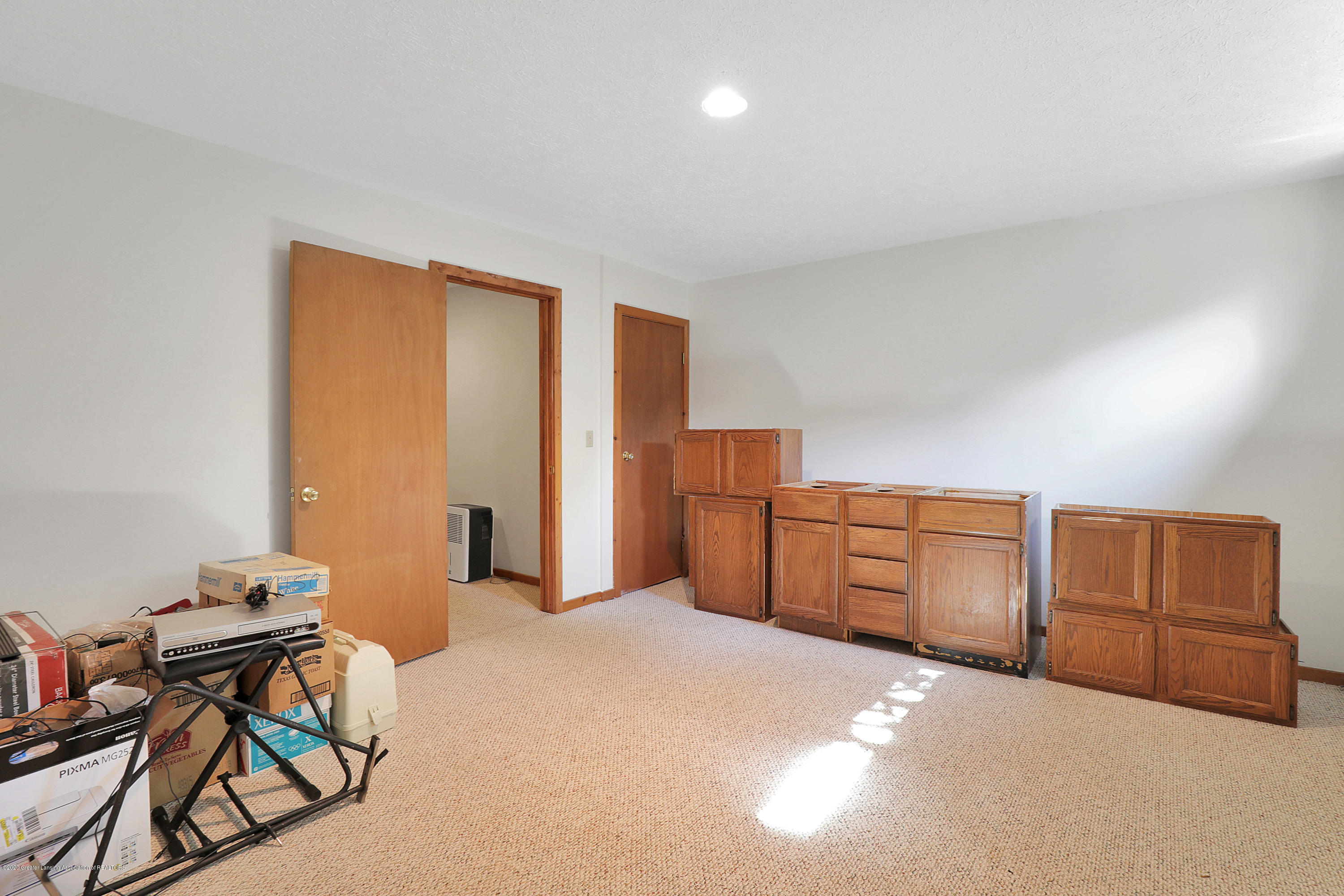 802 Randy Ln - Craft room/Office in lower level - 22