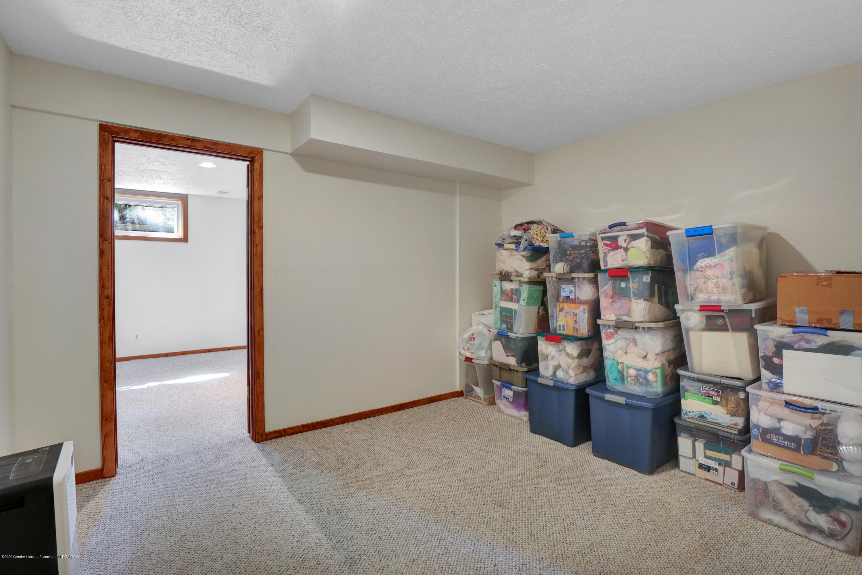 802 Randy Ln - Family room - 24