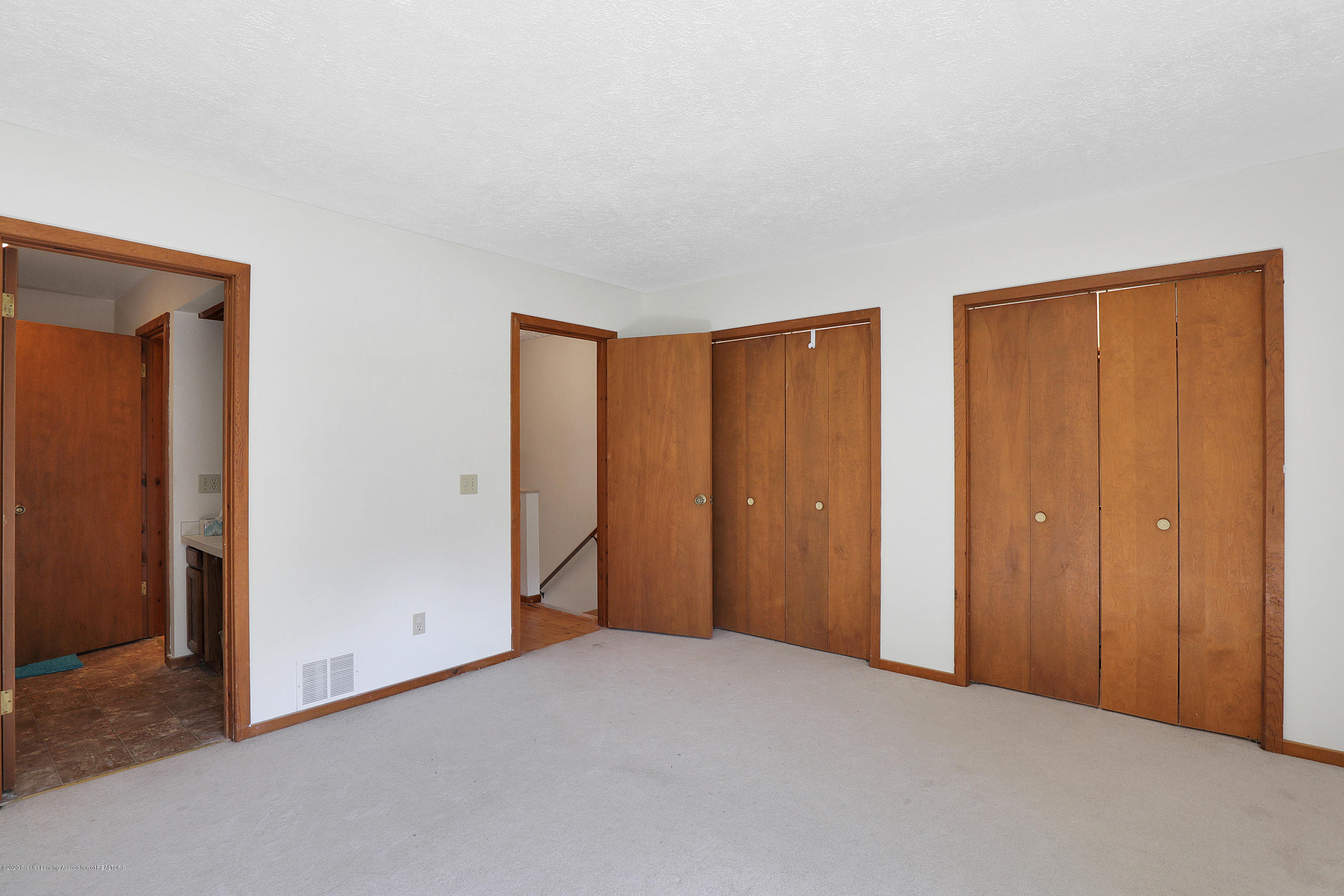 802 Randy Ln - Master bedroom - 13