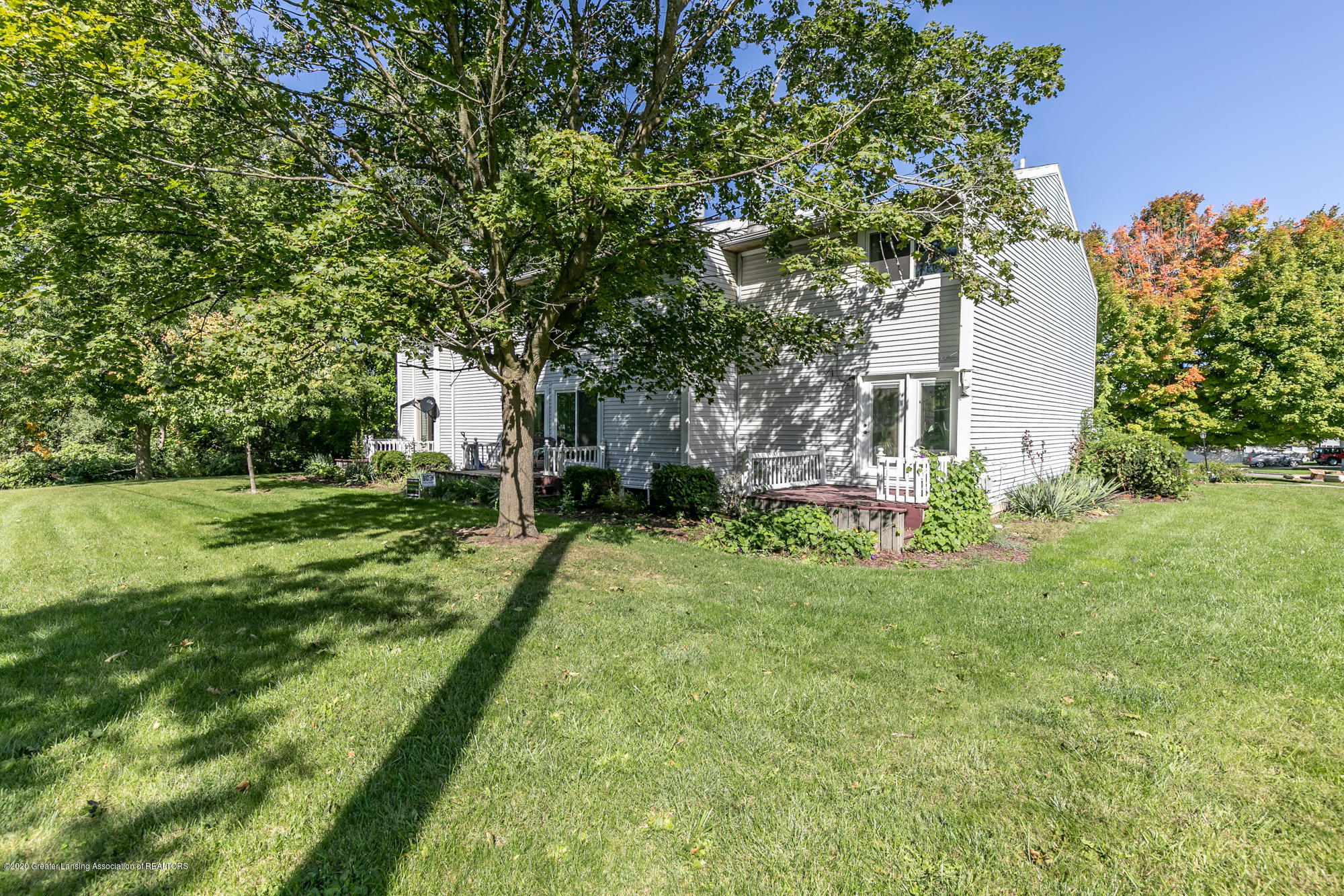 802 Randy Ln - Back view - 27