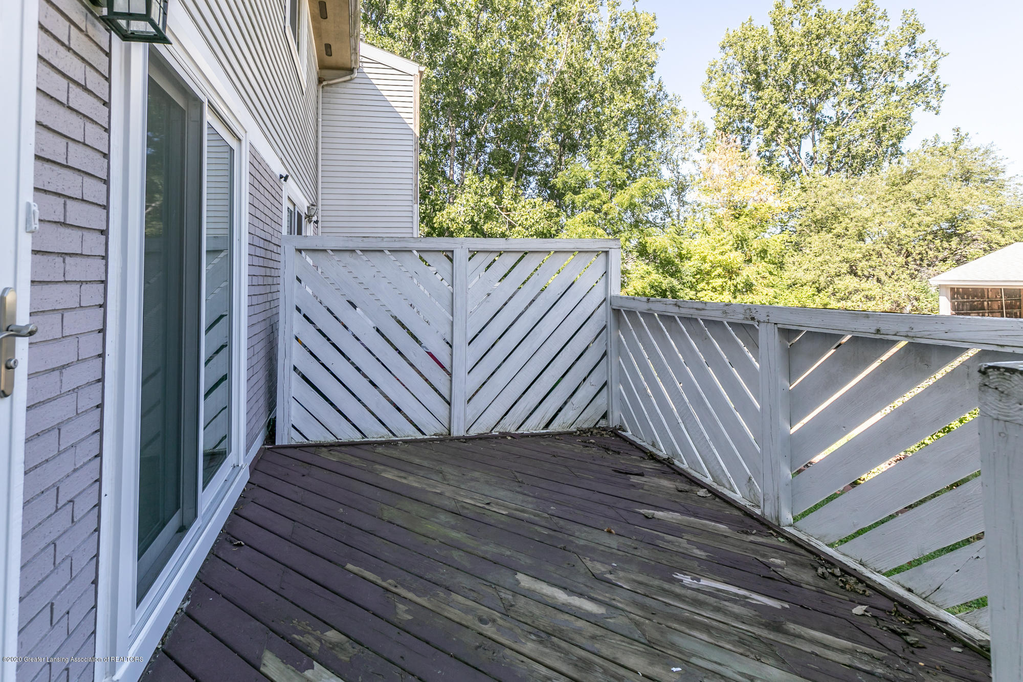 802 Randy Ln - Front porch - 3
