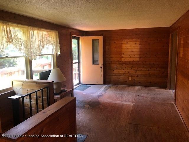 910 N Clark Rd - Livingroom c - 6