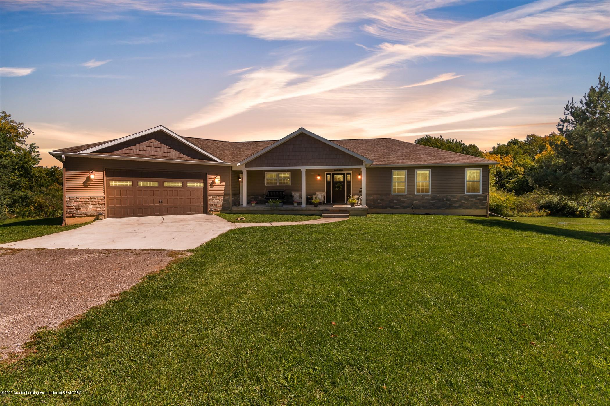 2596 Tomlinson Rd - Welcome Home - 1