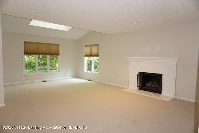 4435 Copperhill Dr - DSC09787 - 8