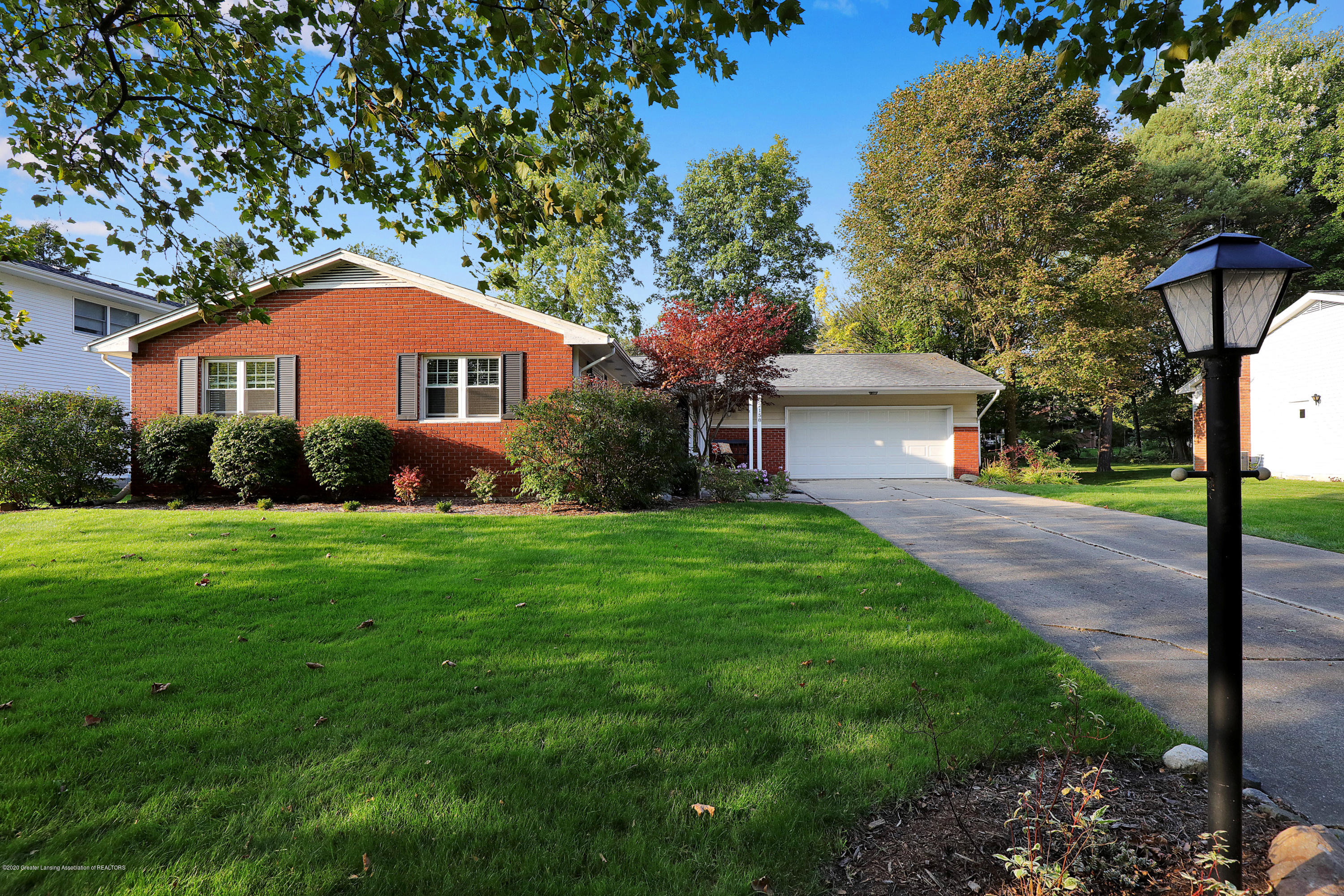 2158 Heritage Ave - 9I3A7265 - 1