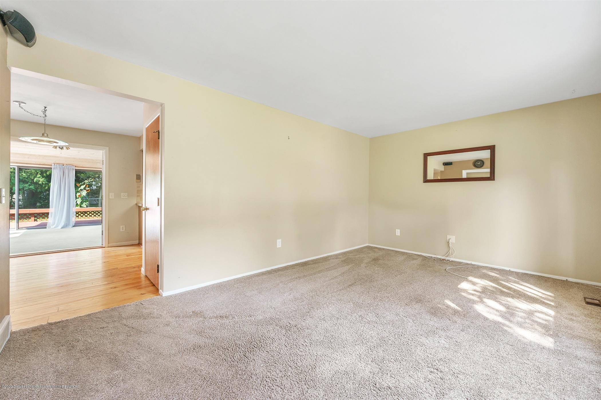 4557 Seneca Dr - (5) MAIN FLOOR Living Room - 5