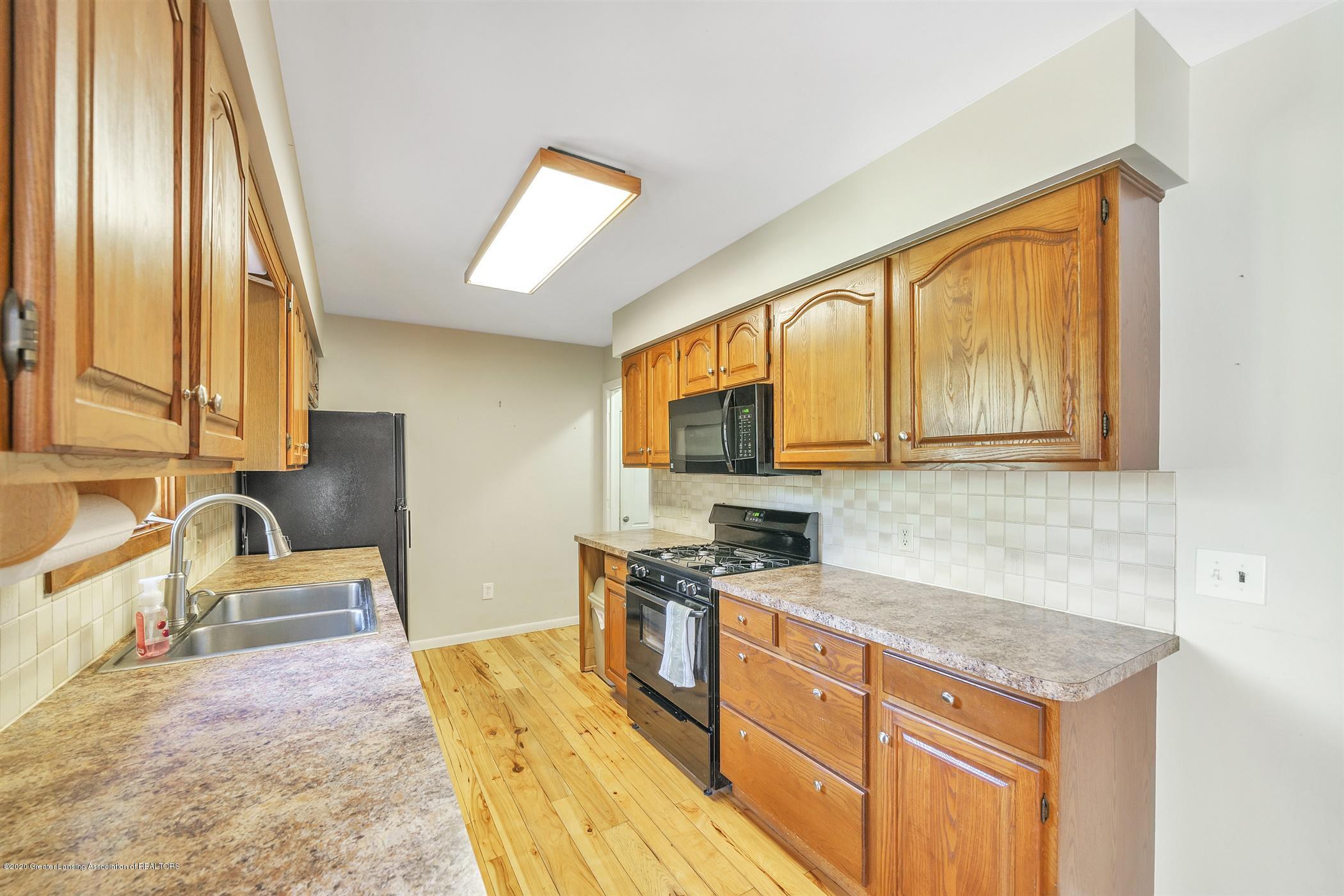 4557 Seneca Dr - (10) MAIN FLOOR Kitchen - 10