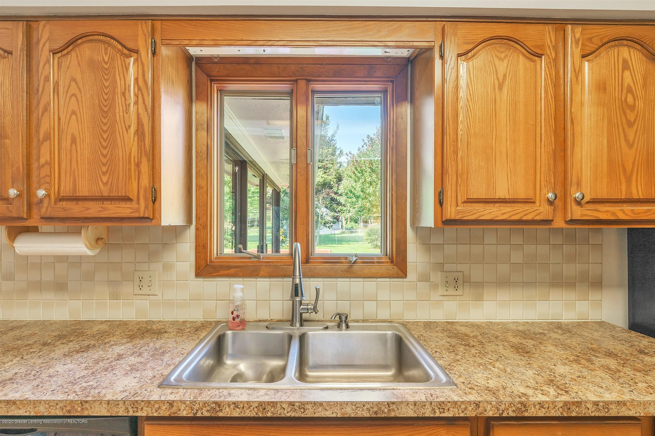 4557 Seneca Dr - (12) MAIN FLOOR Kitchen - 12