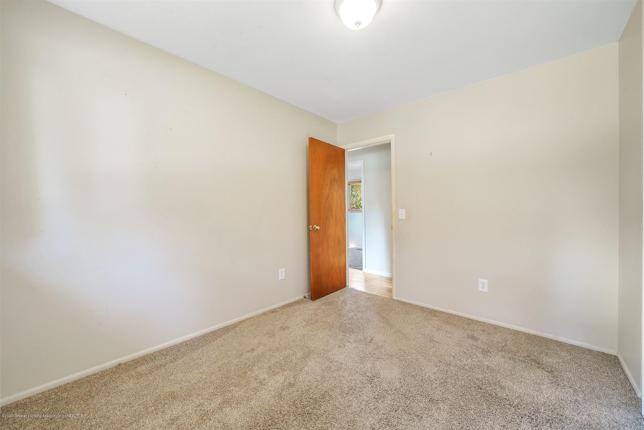 4557 Seneca Dr - (15) MAIN FLOOR Bedroom 1 - 15