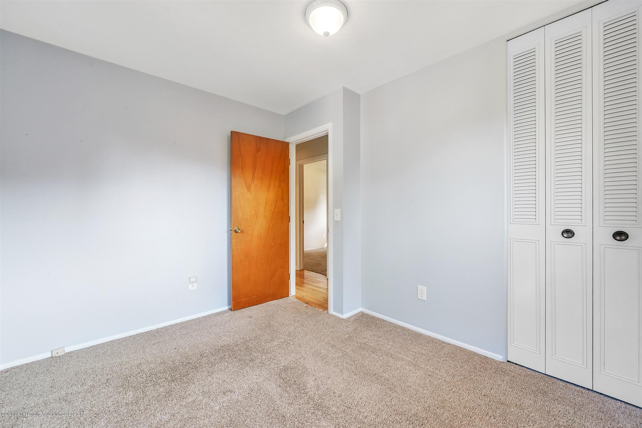4557 Seneca Dr - (21) MAIN FLOOR Bedroom 3 - 21