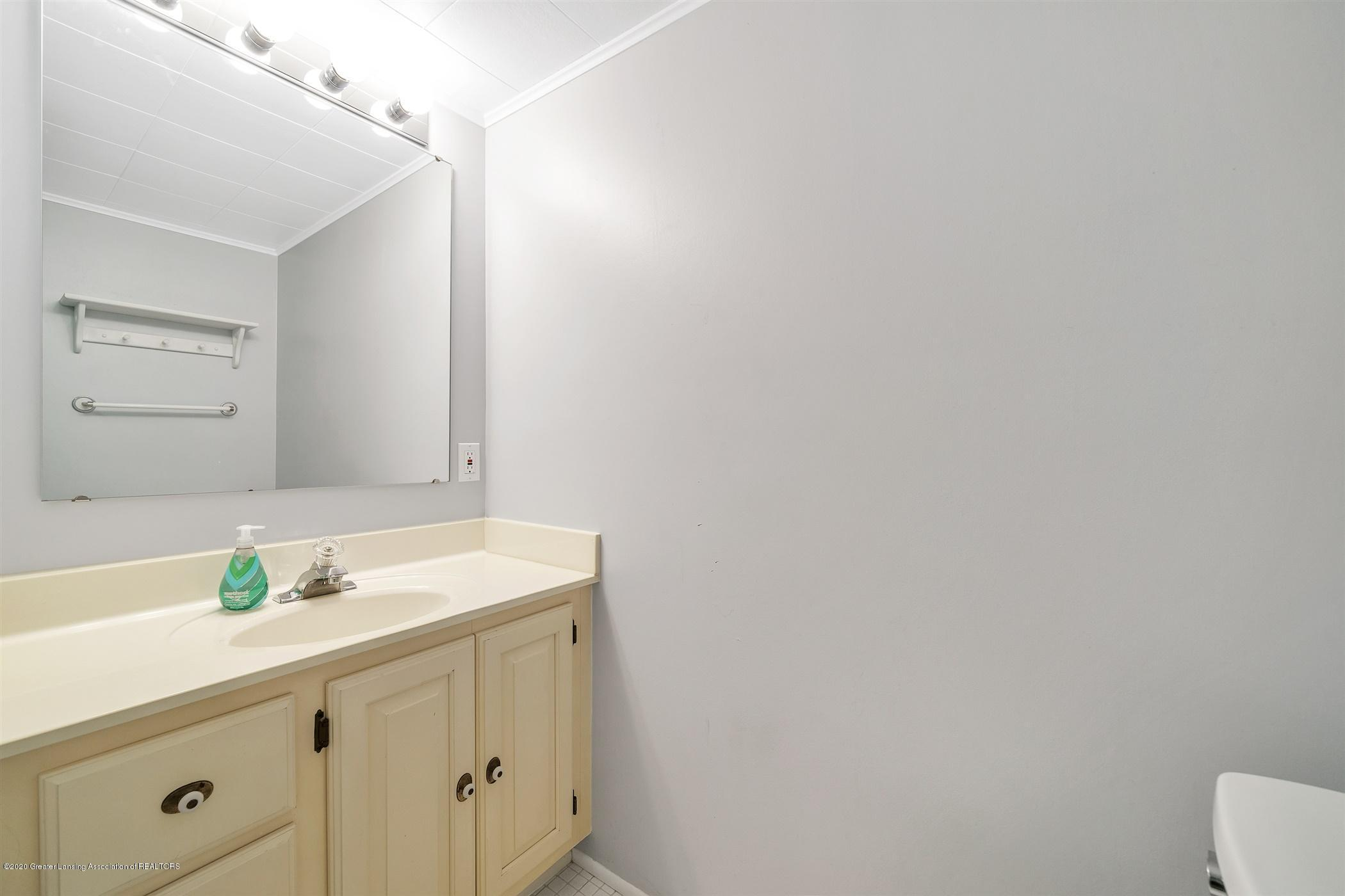 4557 Seneca Dr - (30) LOWER LEVEL Bathroom - 30