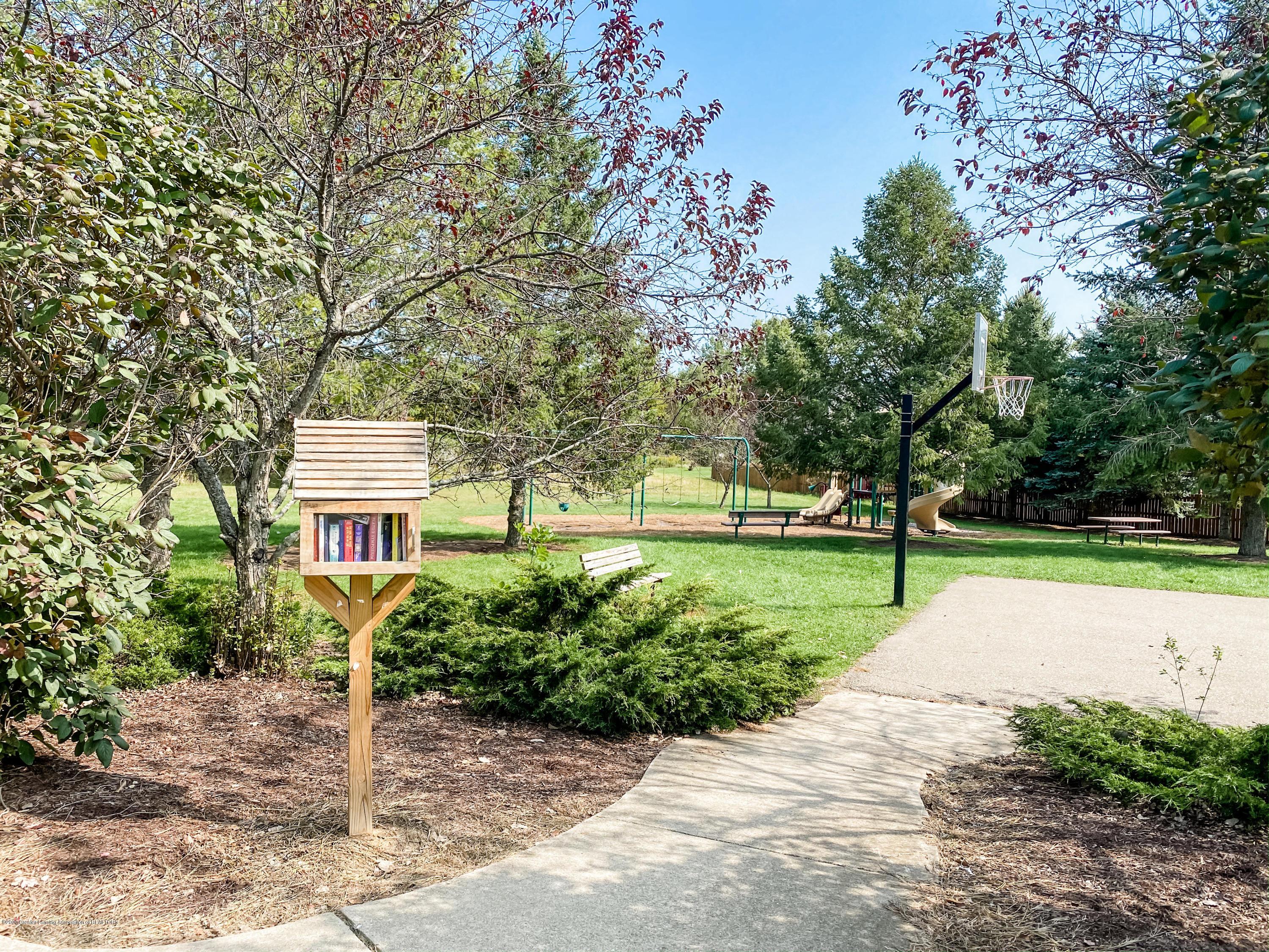 16938 Broadview Dr - IMG_8731 - 49