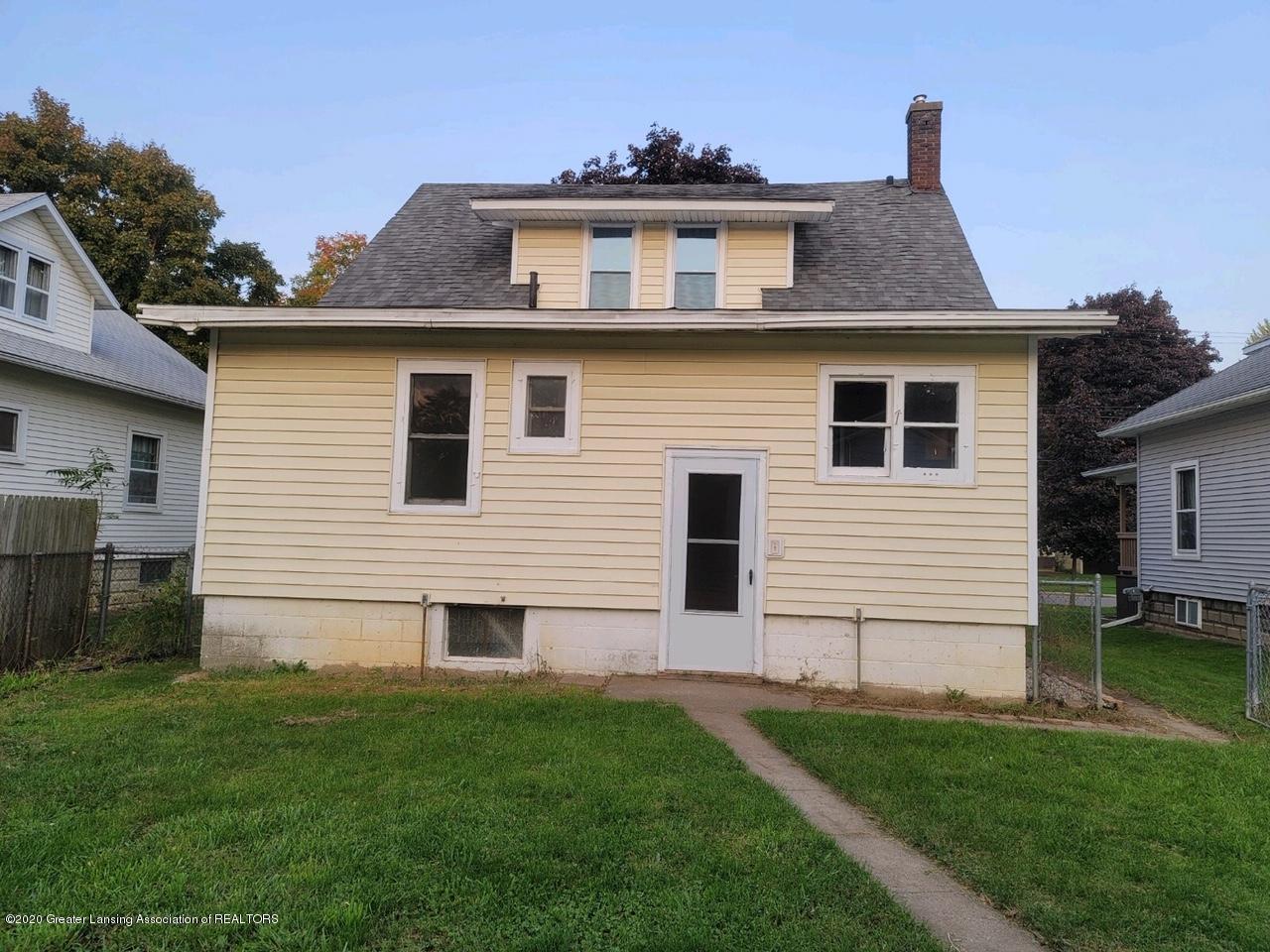 212 Oakwood Ave - Back of home - 13
