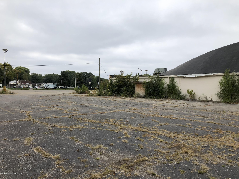 1256 E McDevitt Ave - Side View - 6