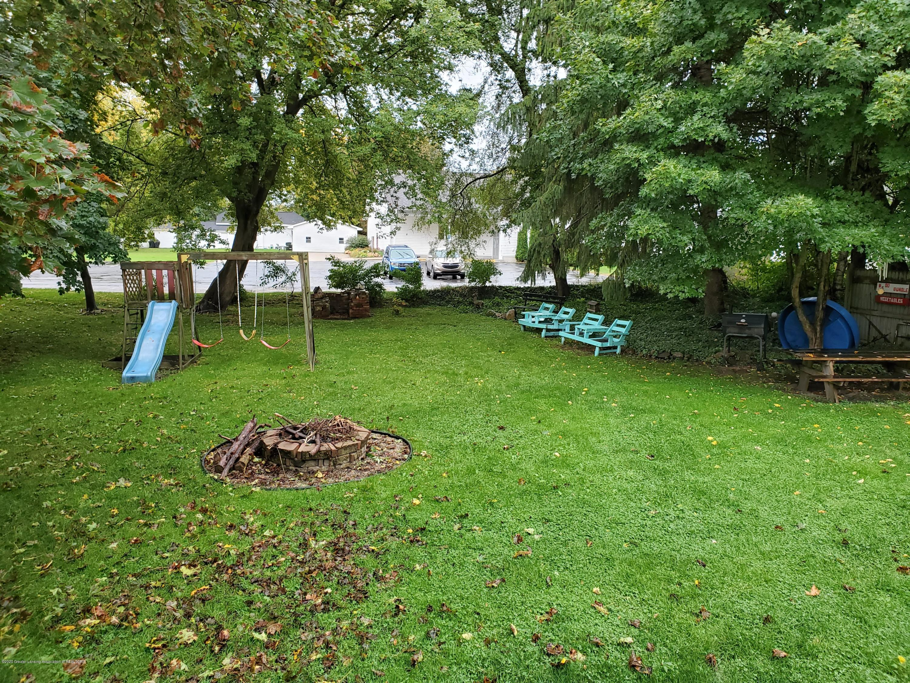 108 E 2nd N St - Back Yard - 22