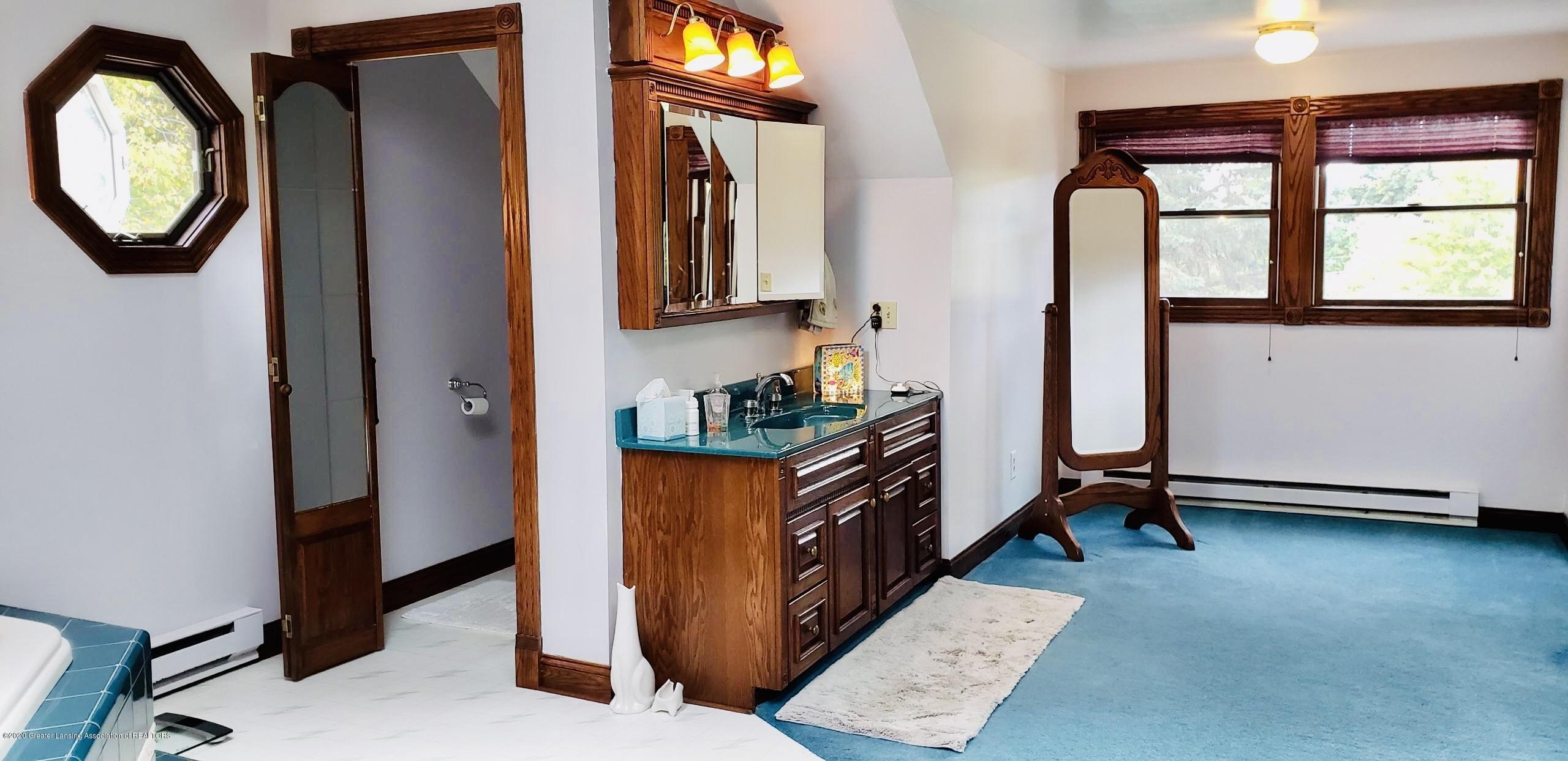 7346 W Cutler Rd - MASTER BATHROOM - 49