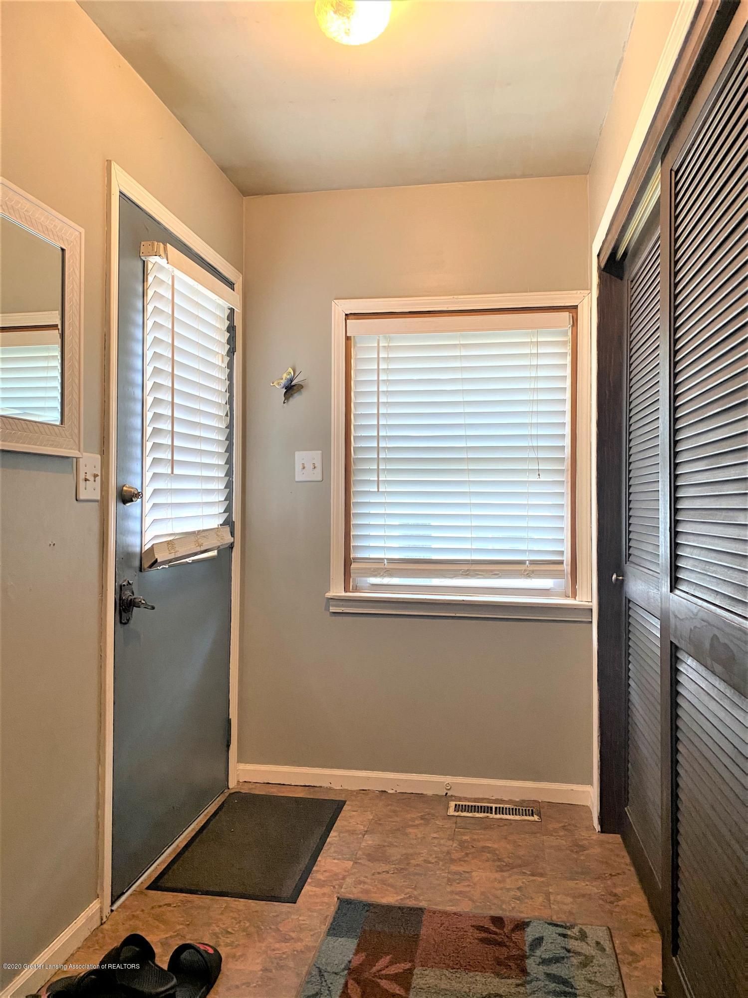 820 Pine St - Back Door - 3