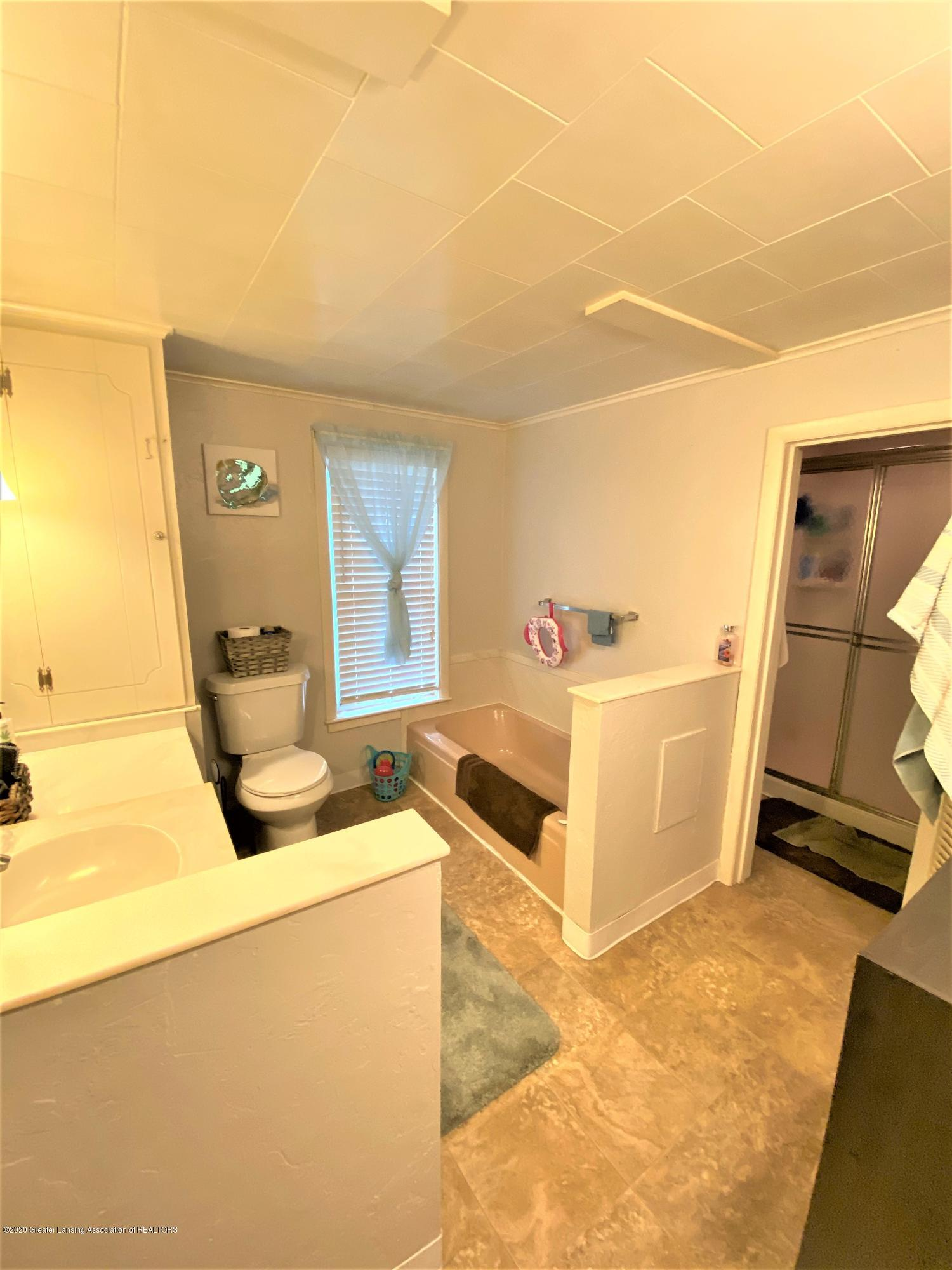 820 Pine St - Bath 2 - 14