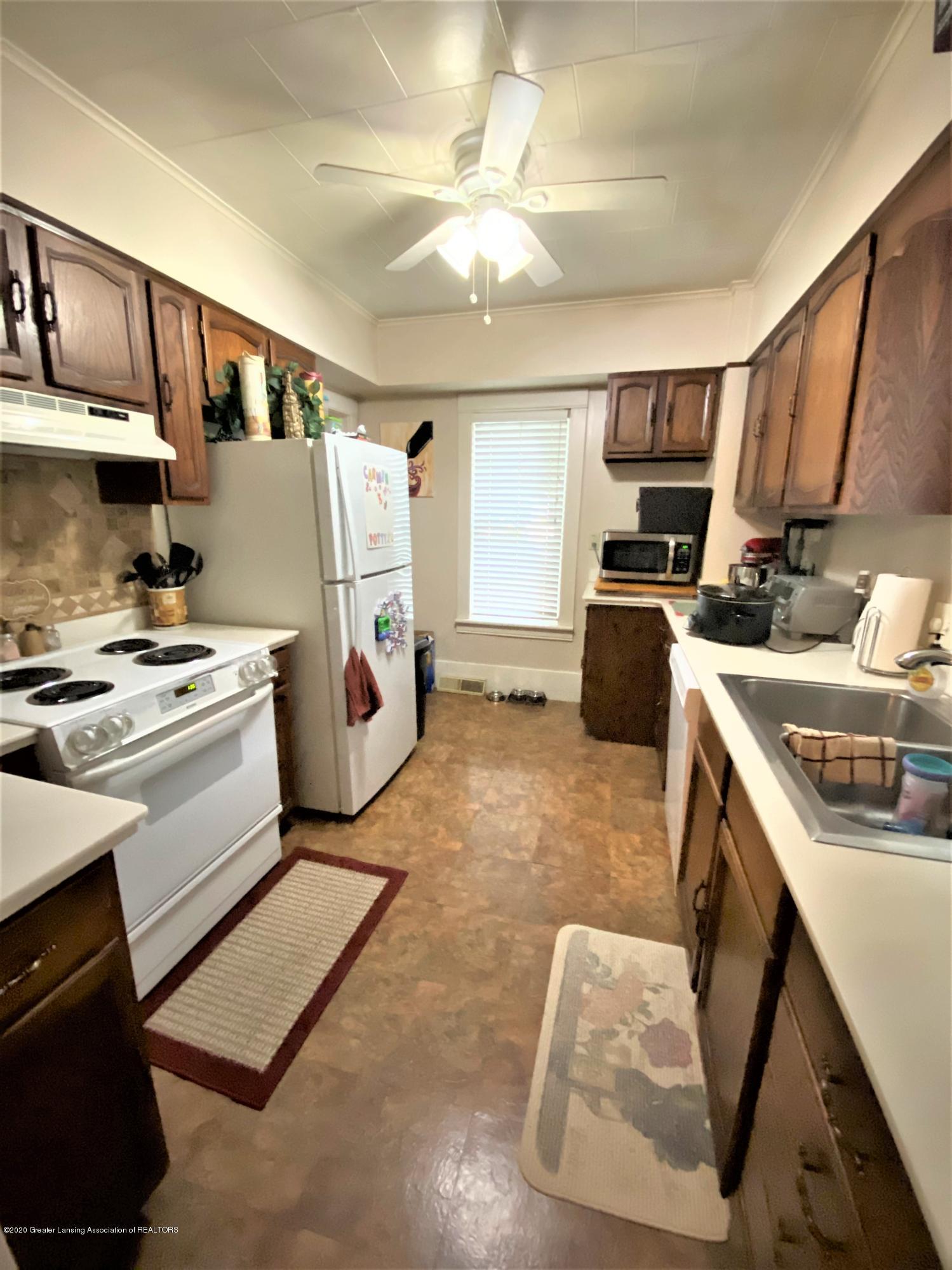 820 Pine St - Kitchen - 6