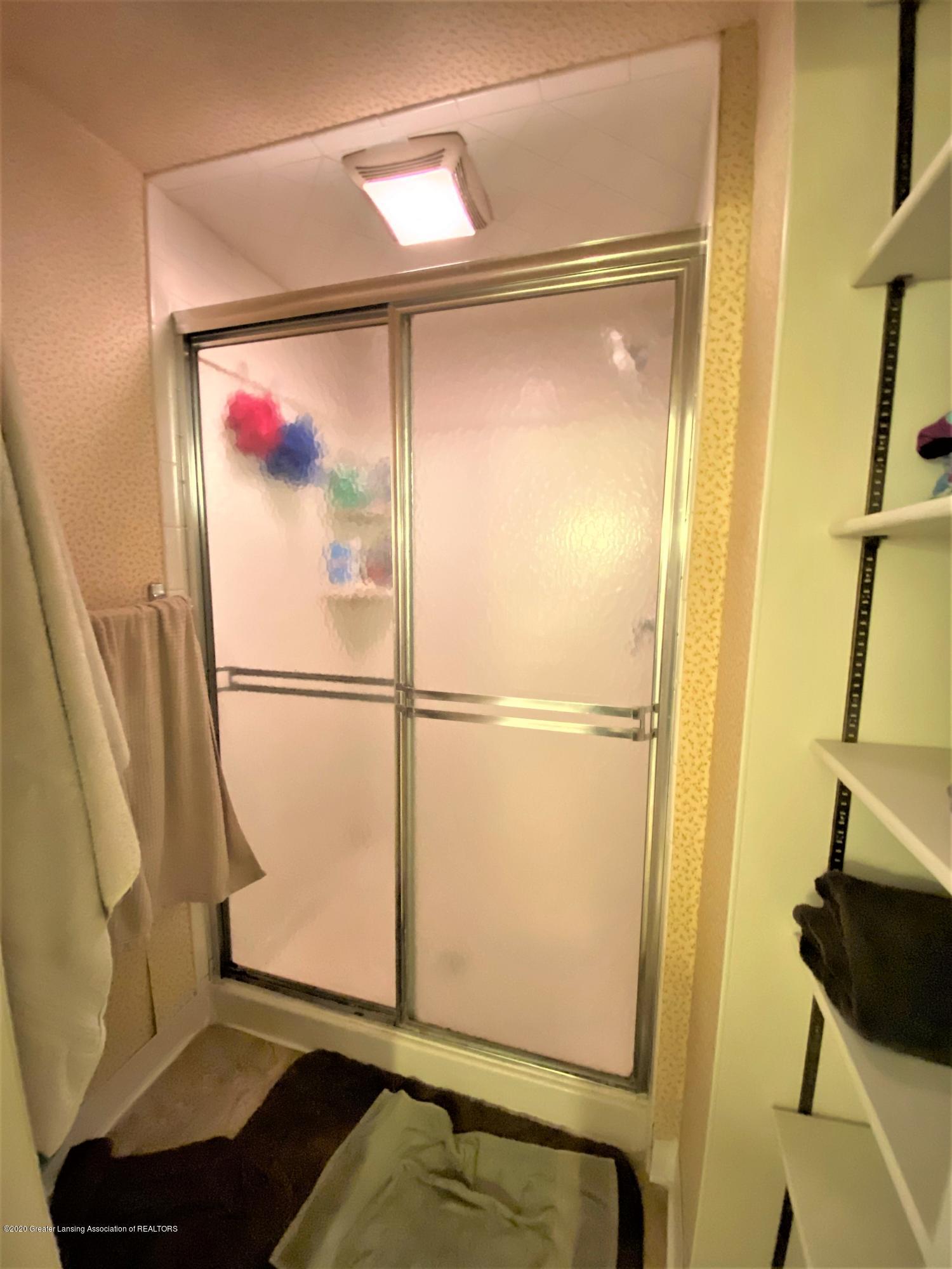 820 Pine St - Shower - 16