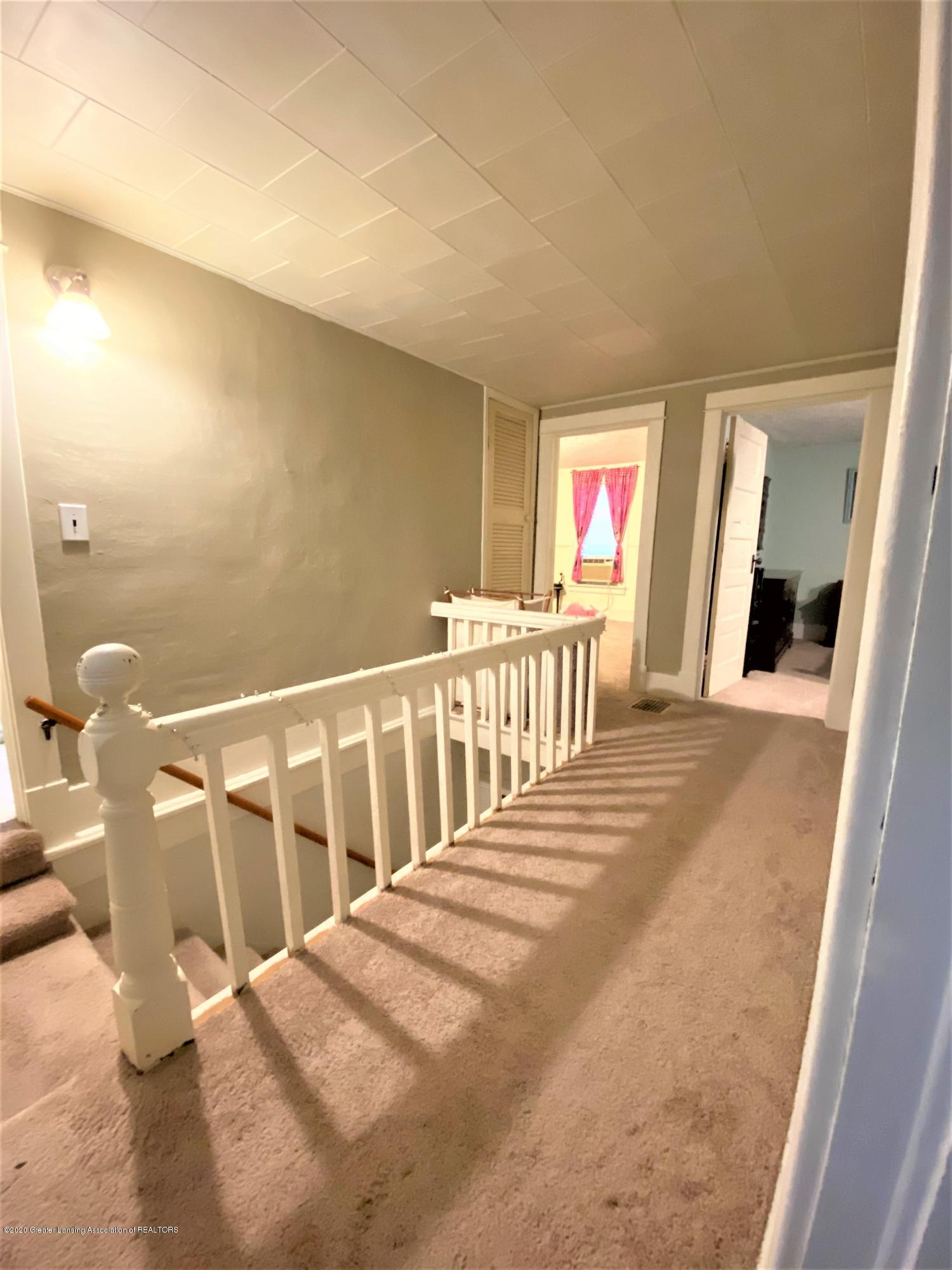 820 Pine St - upstairs - 13