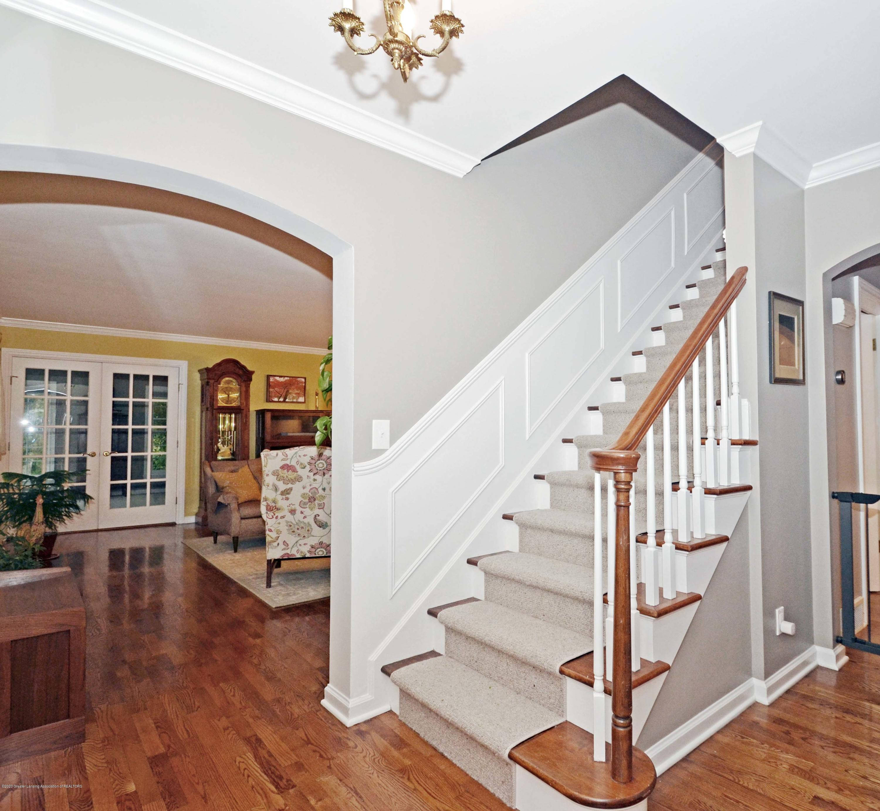 834 Rosewood Ave - Foyer - 3