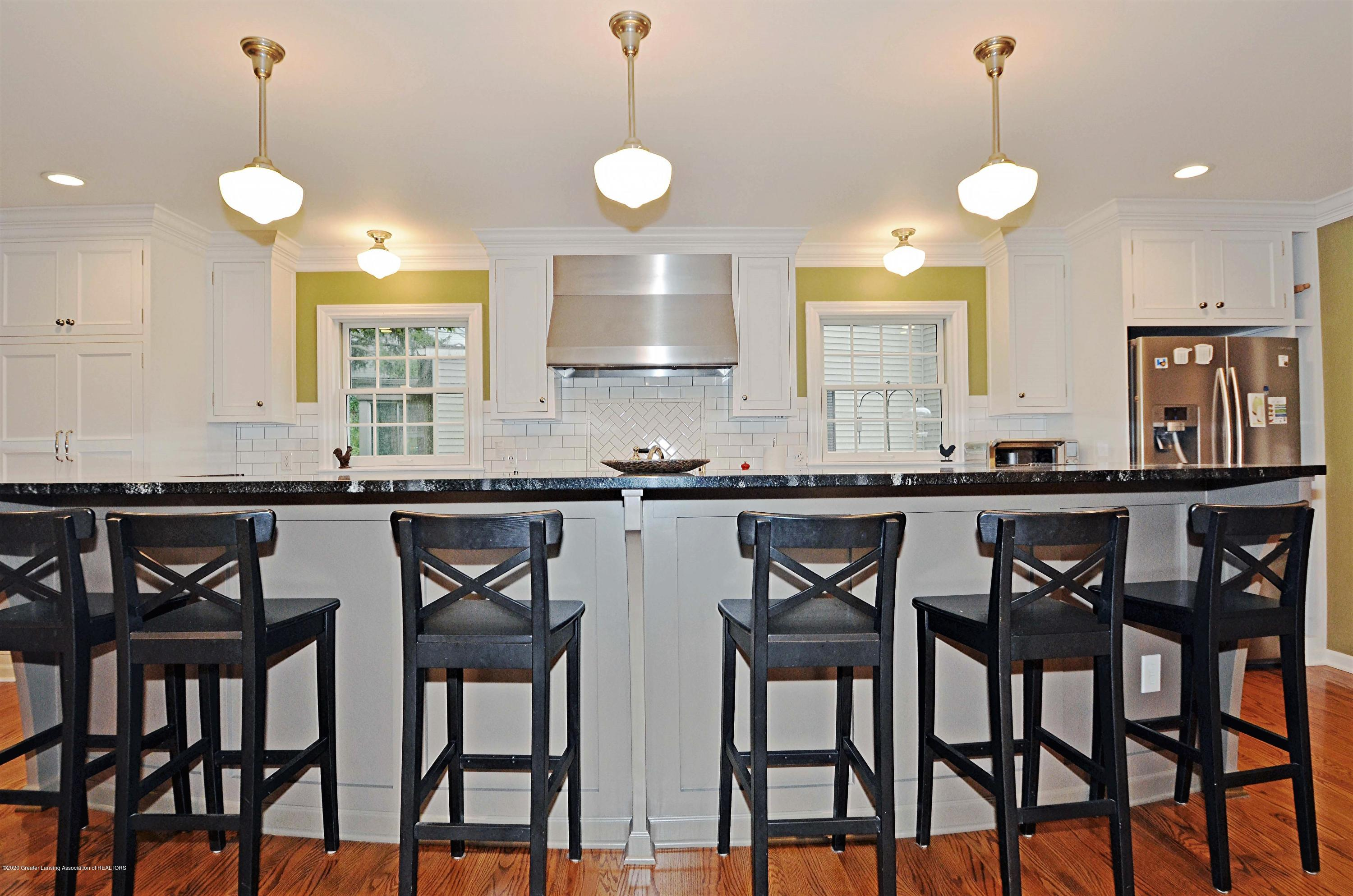 834 Rosewood Ave - Eat-in Kitchen - 18