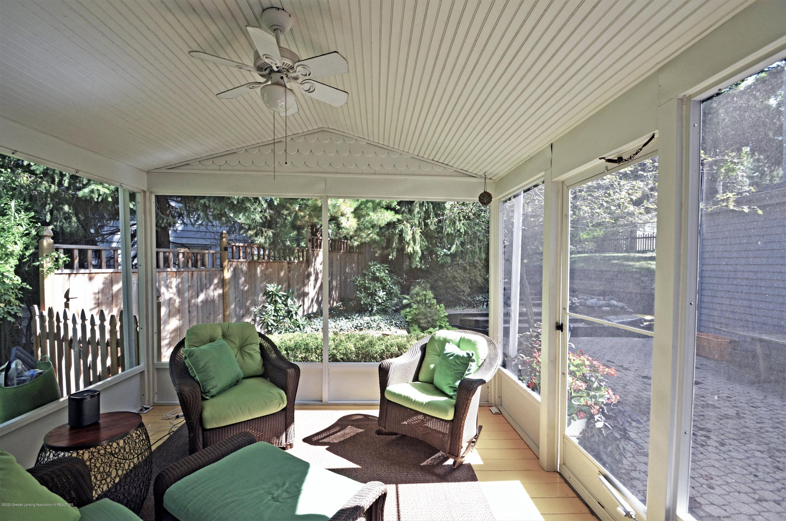 834 Rosewood Ave - Porch - 28
