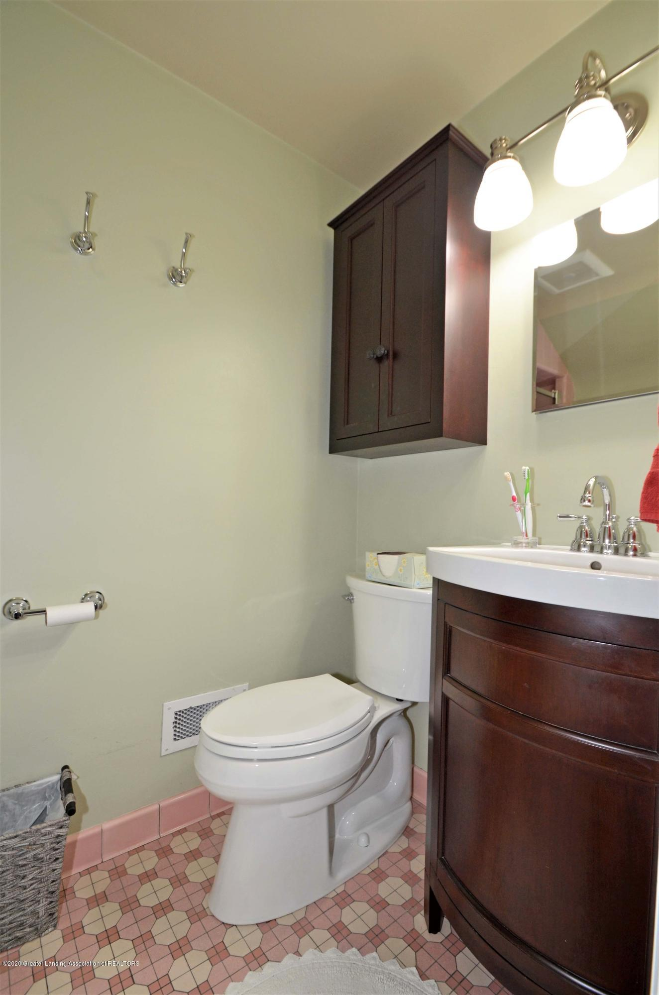 834 Rosewood Ave - Guest or 2nd Master Full Bath - 34