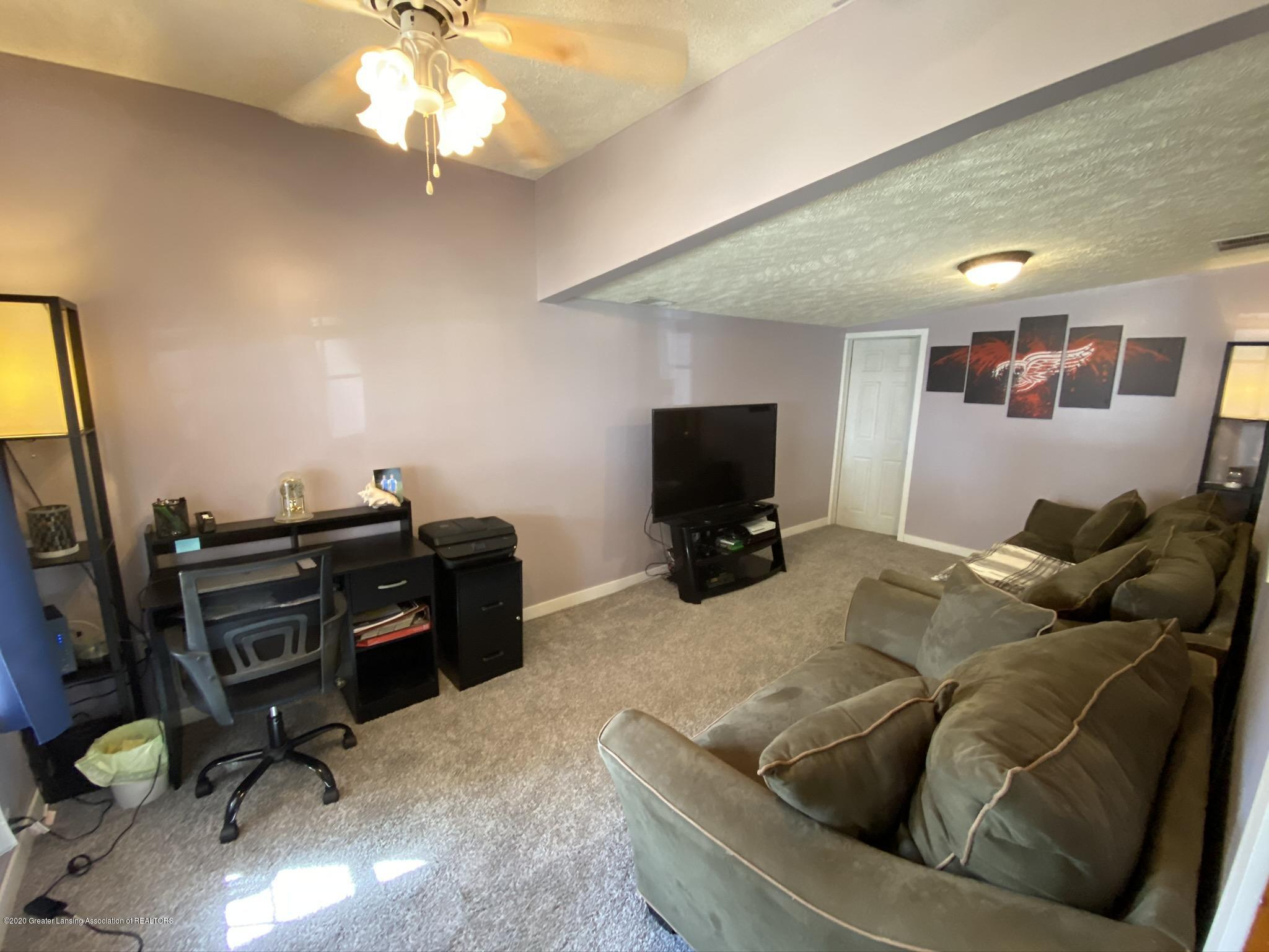 5813 Outer Dr - IMG_2444 - 10