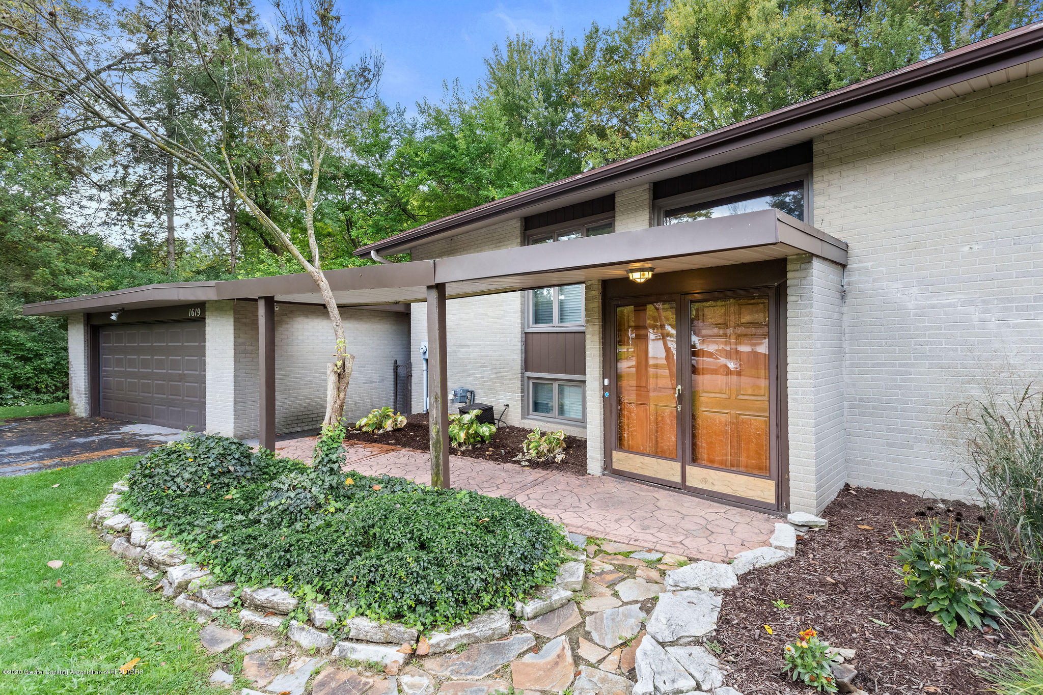 1619 Gilcrest Ave - Double Doors - 1