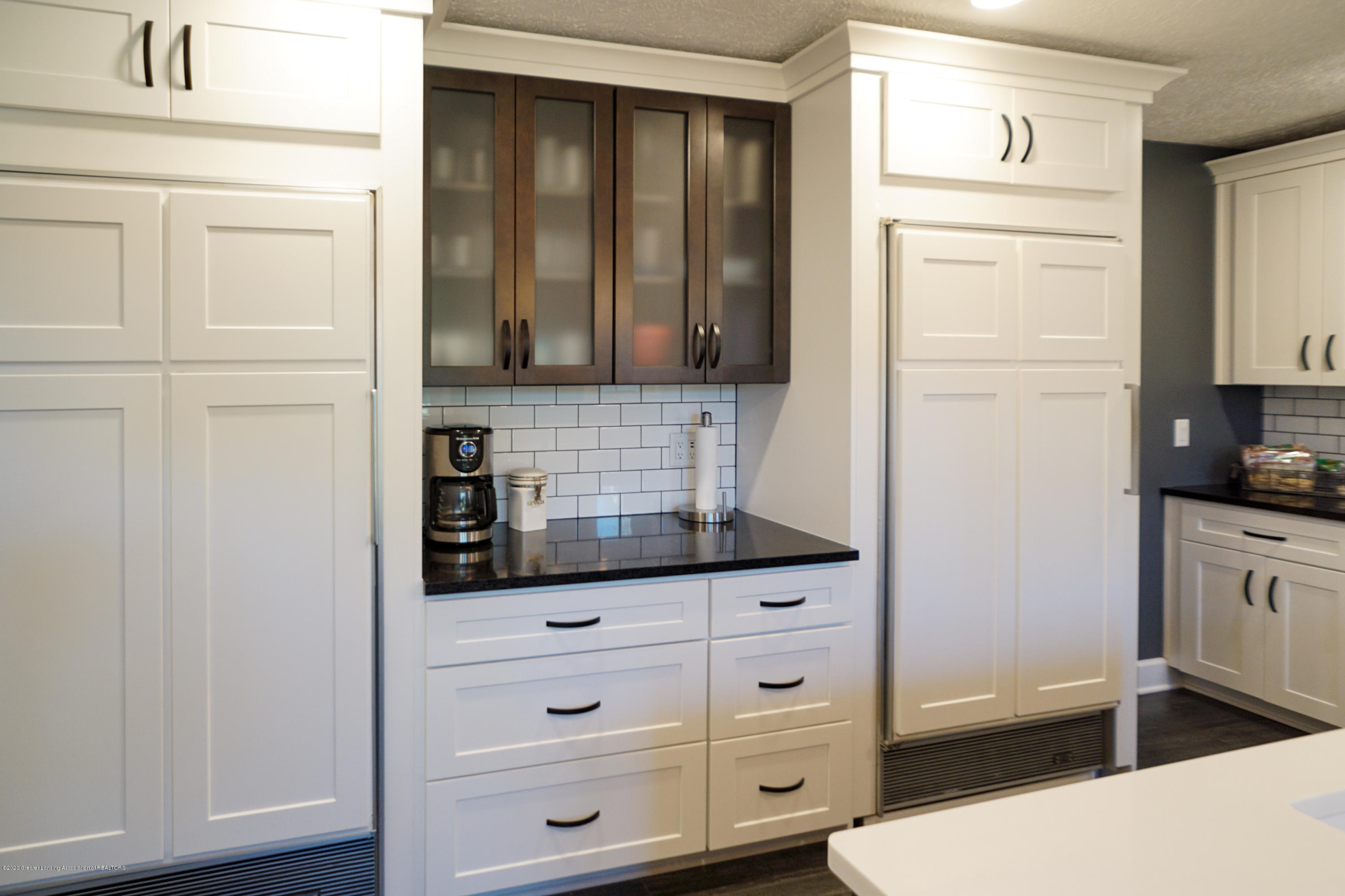 614 Whitehills Dr - Display cabinetry - 15