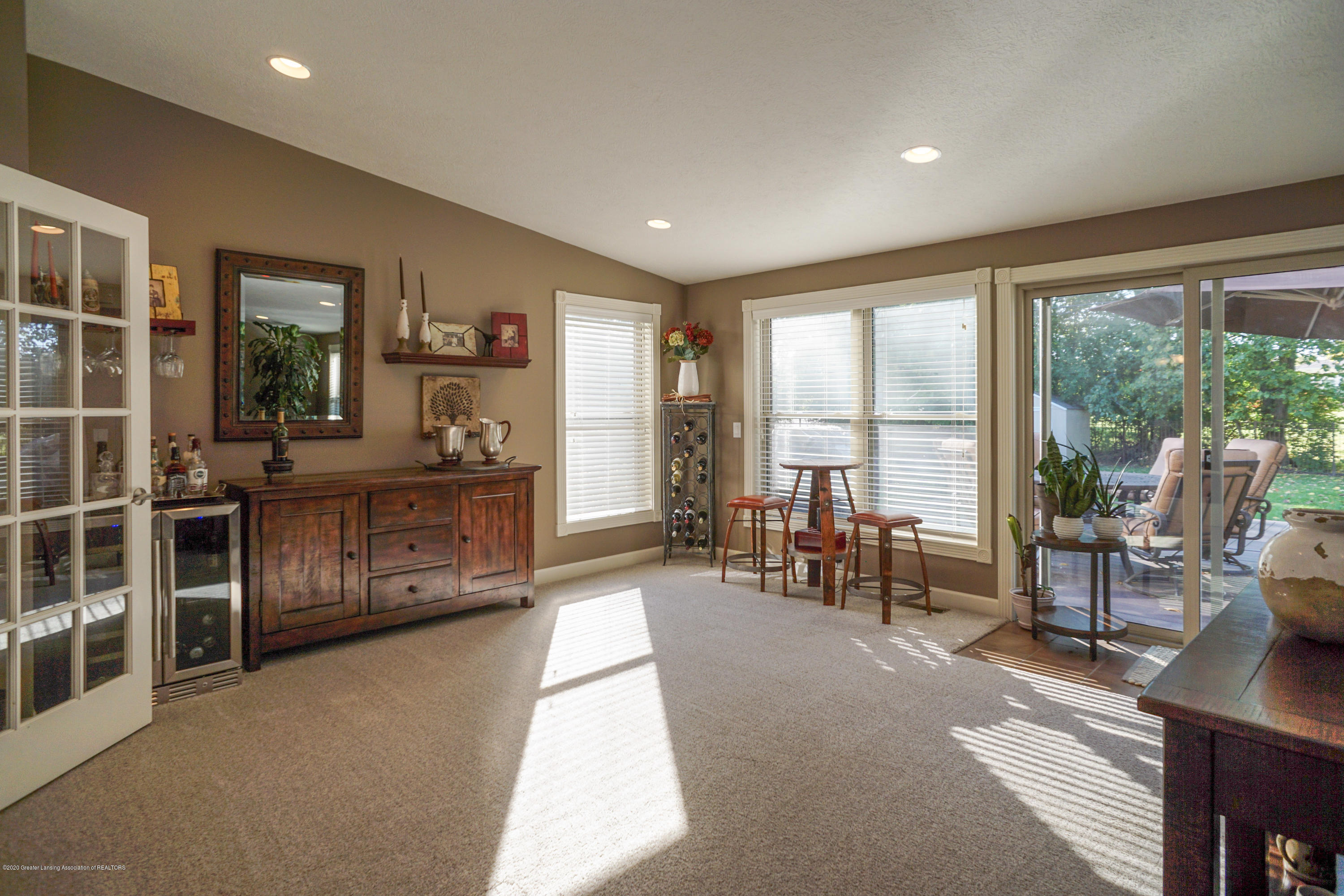 614 Whitehills Dr - Open from dining room - 32