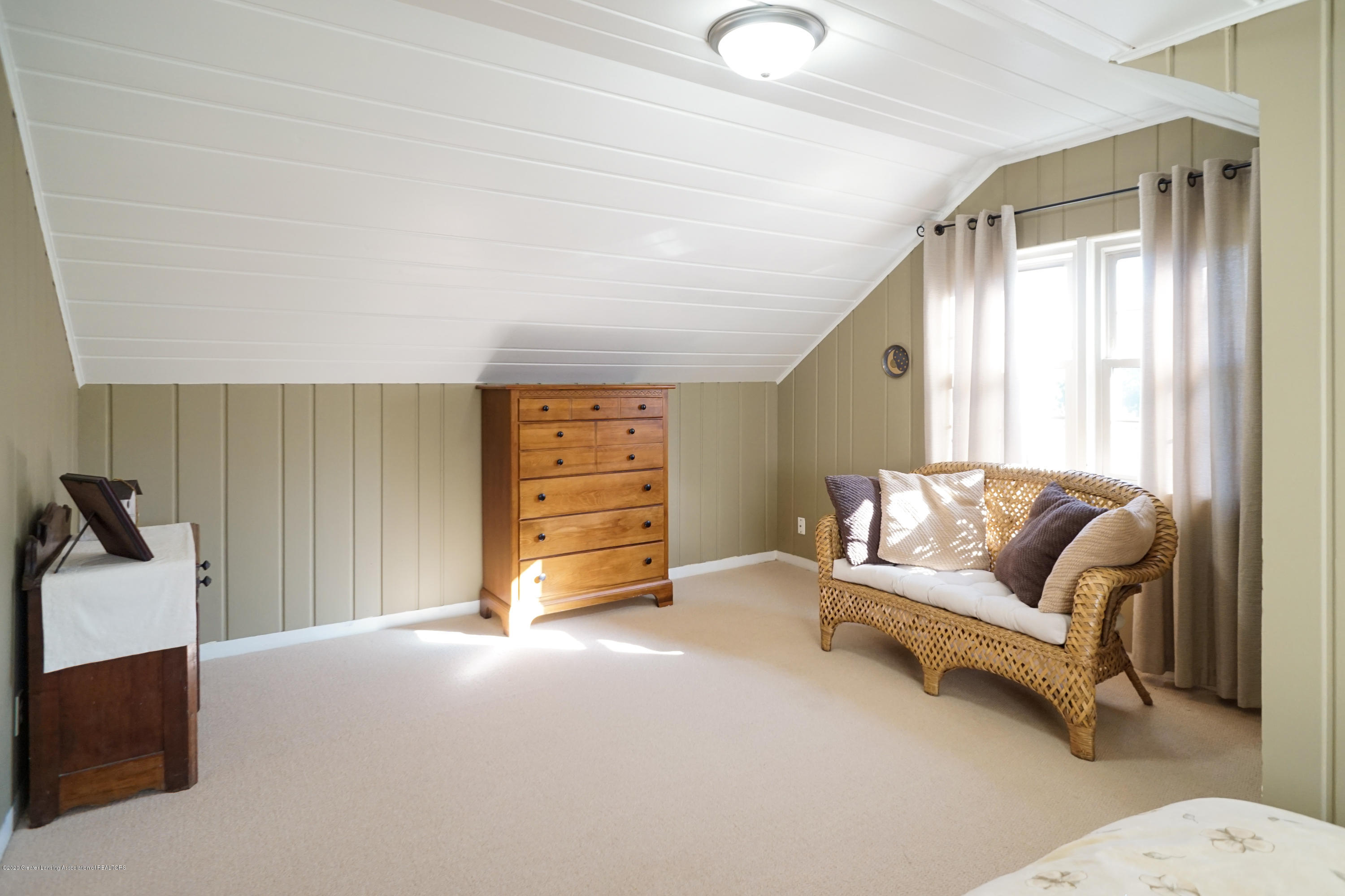 614 Whitehills Dr - Wood-lined walls & ceiling - 44