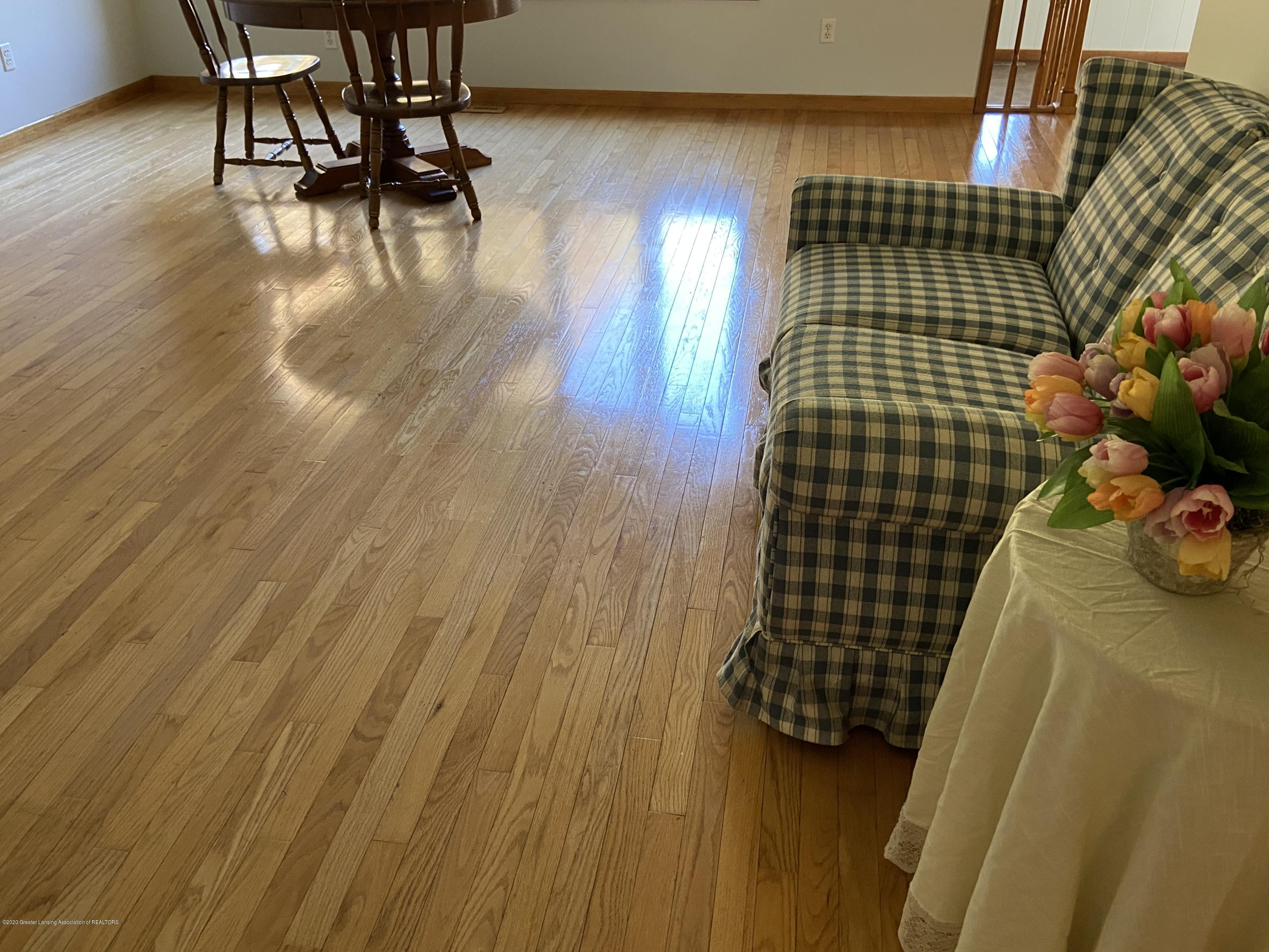 11801 Woodbury Rd - Beautiful wood floors - 12
