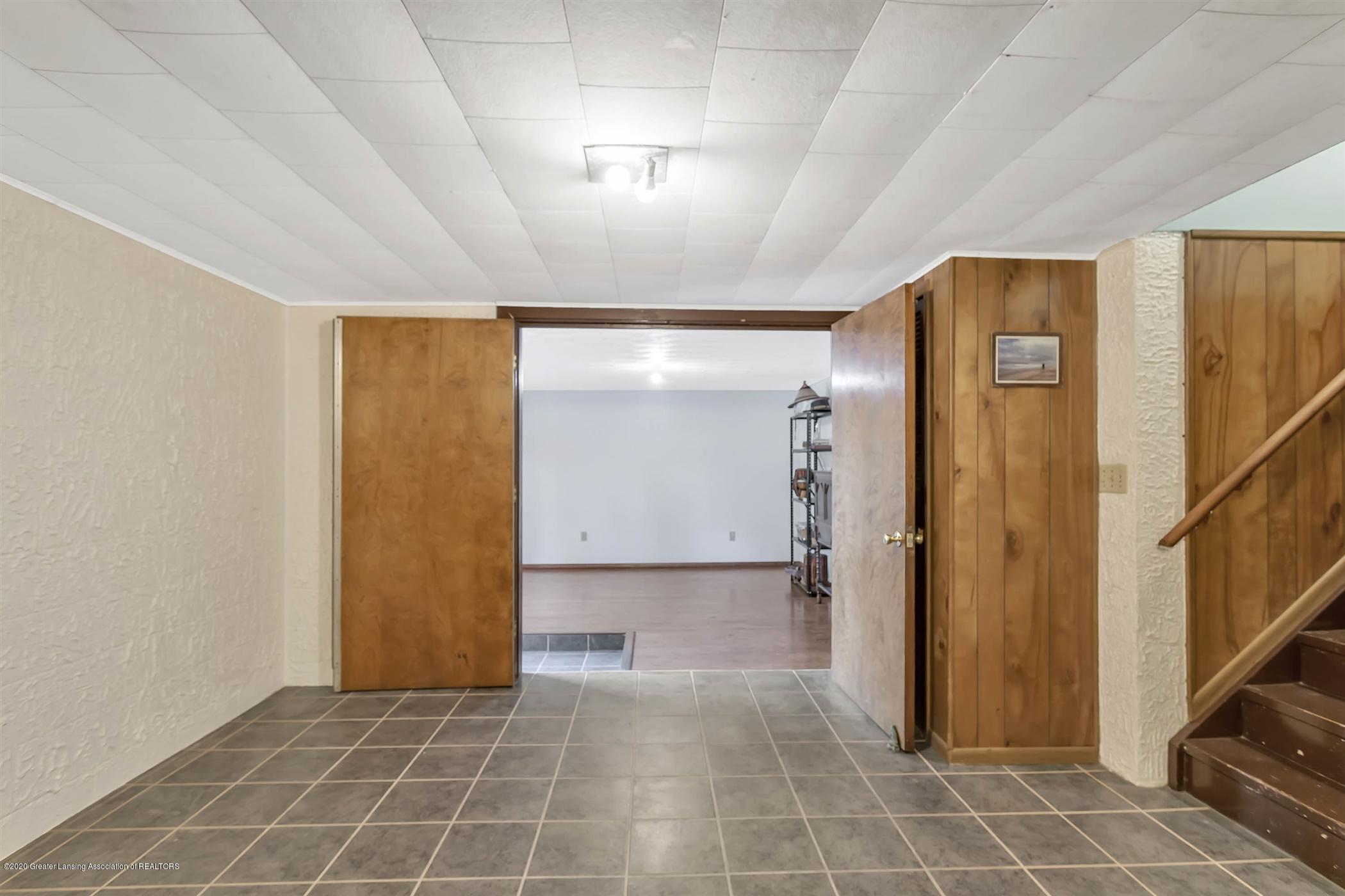 5110 E Clark Rd - 35-5110 Clark Rd-WindowStill-Real-E - 35