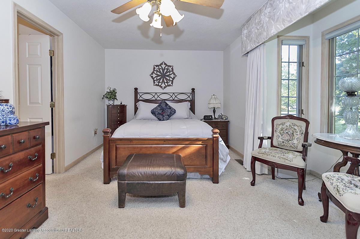 6025 Vienna Way - (16) MAIN FLOOR Master Bedroom - 17