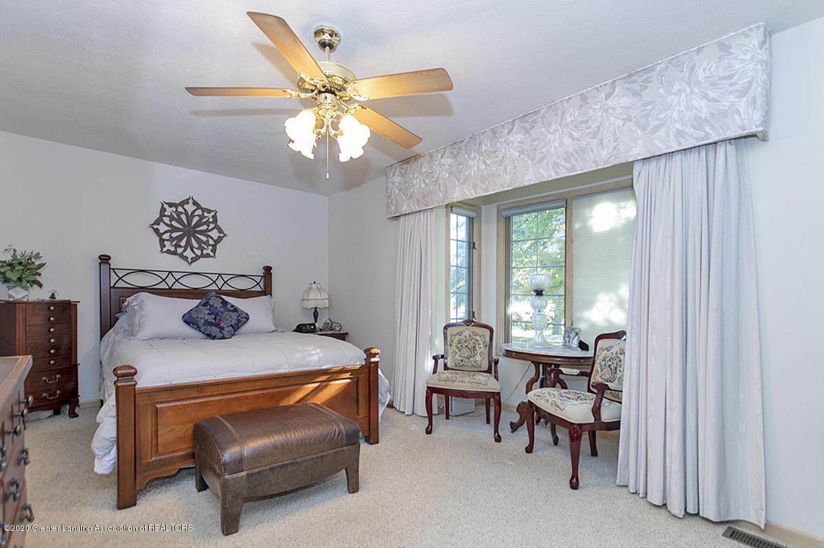 6025 Vienna Way - (17) MAIN FLOOR Master Bedroom - 18