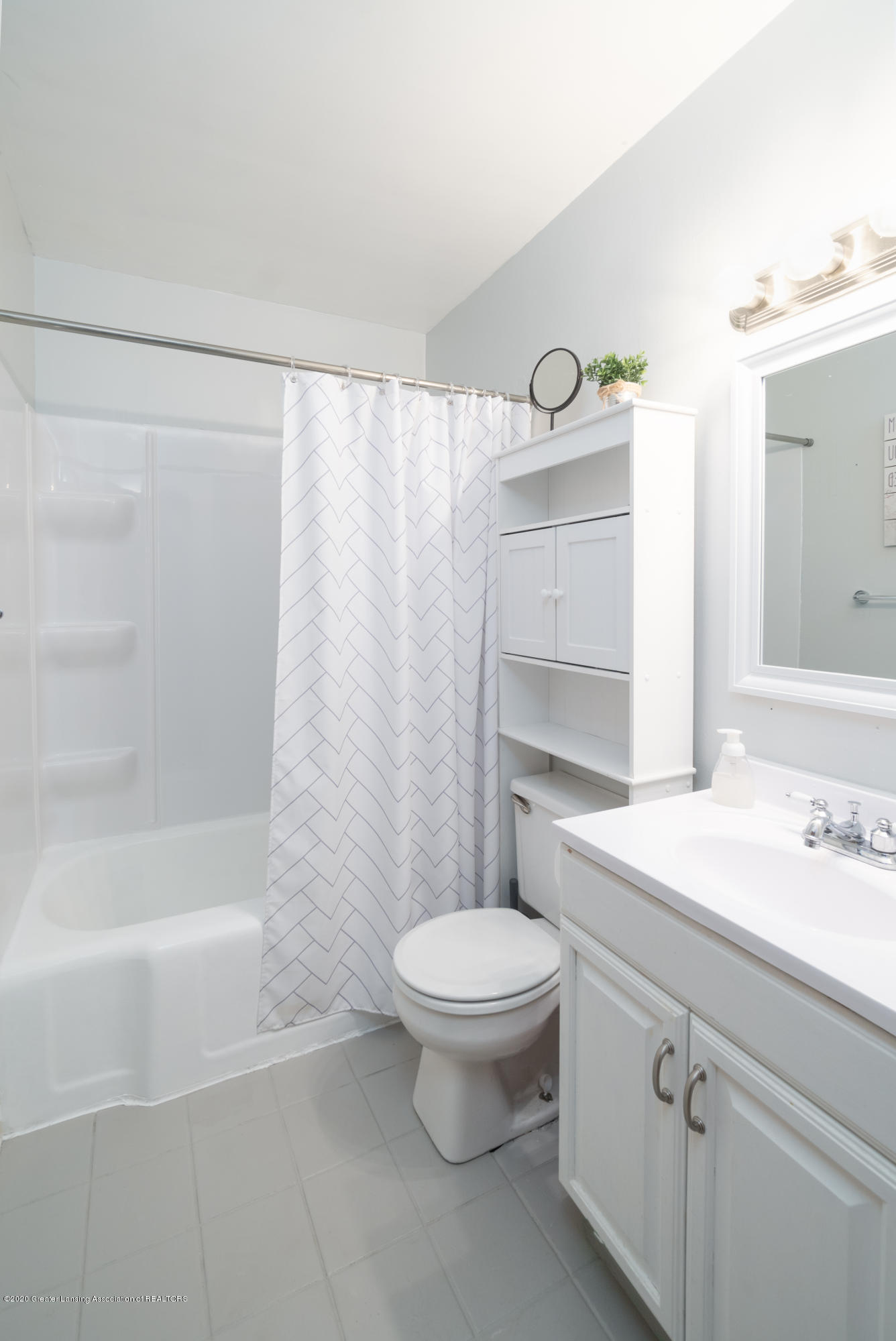 3535 Homewood Ave - bathroom - 7