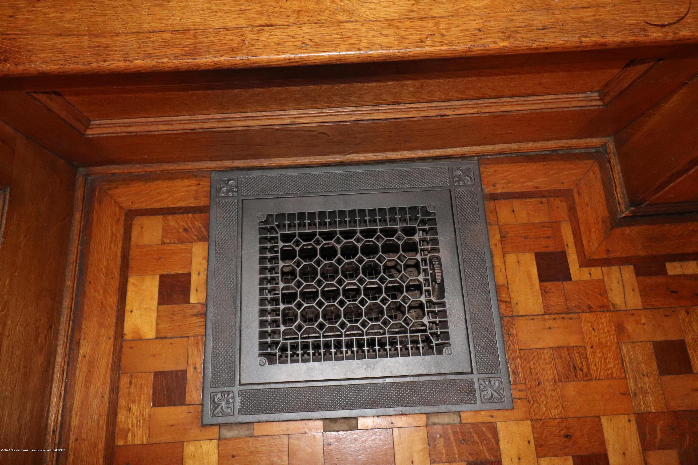 337 S Sheldon St - 7 Foyer Detail Register - 7
