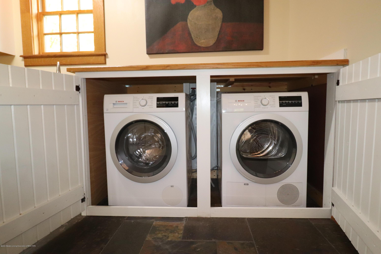 337 S Sheldon St - 20 Laundry area - 21