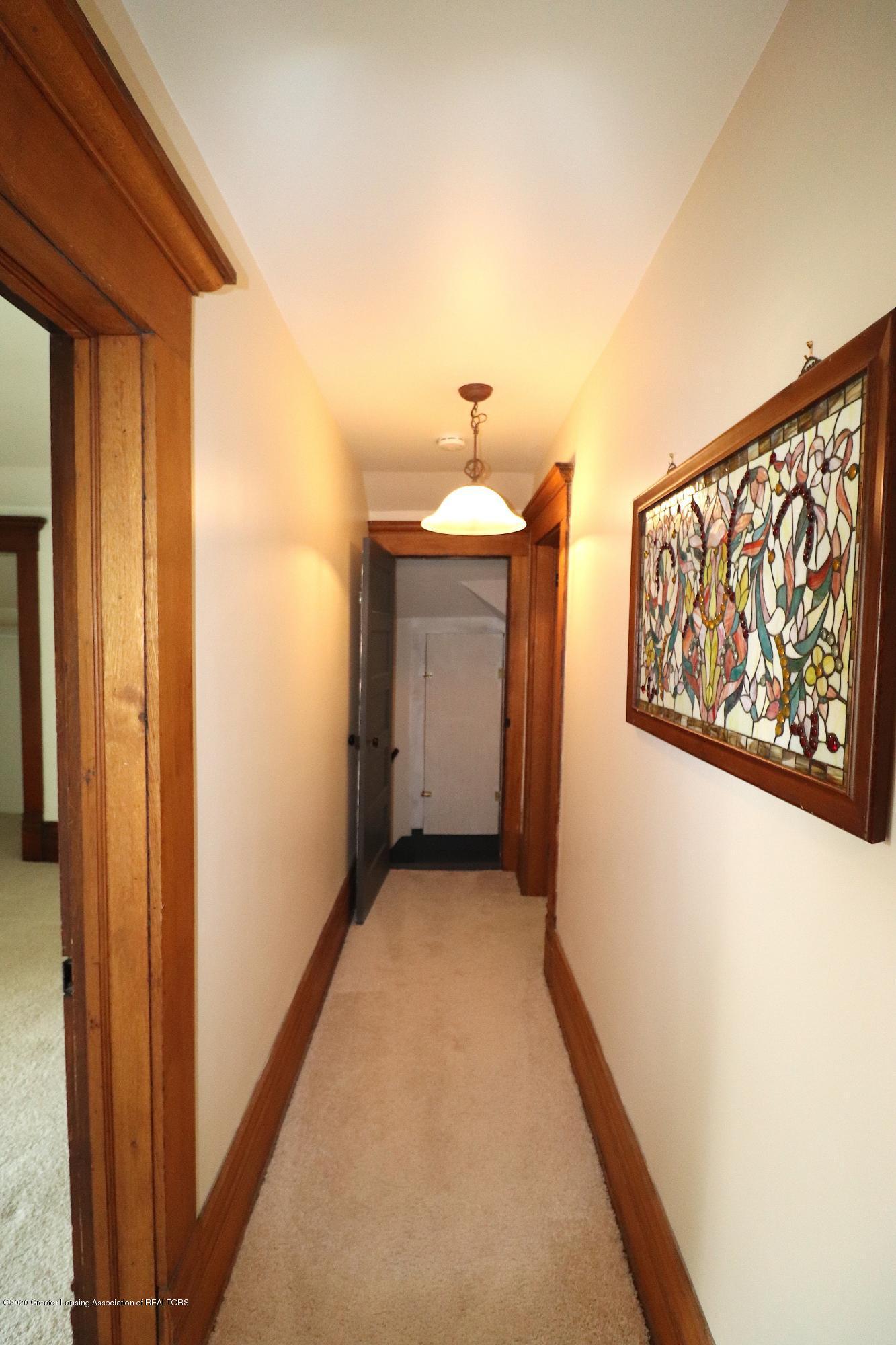 337 S Sheldon St - 26 Upstairs Hall - 28