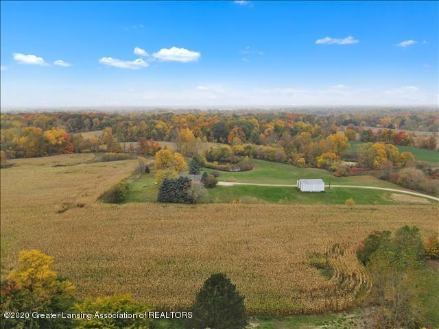 5654 E Clinton Trail - 5654 E Clinton Tr-WindowStill-Re (38) - 48
