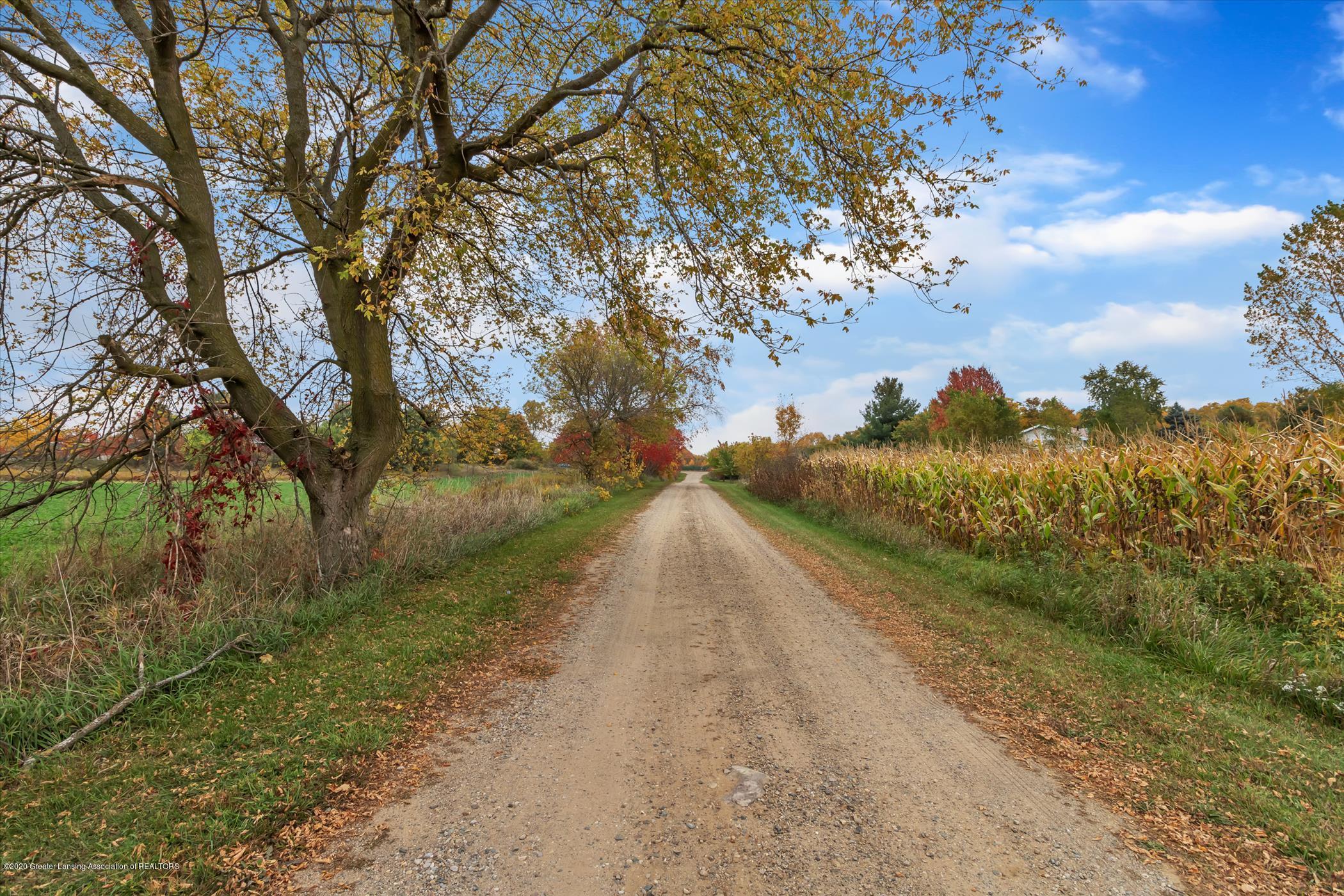 5654 E Clinton Trail - 5654 E Clinton Tr-WindowStill-Re (35) - 9